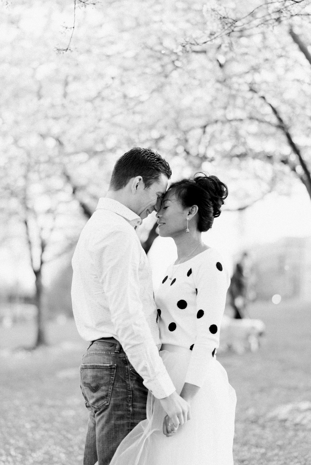 portland-waterfront-engagement-cherry-blossom-cathedral-park-sokhorn-jay-135_cr.jpg