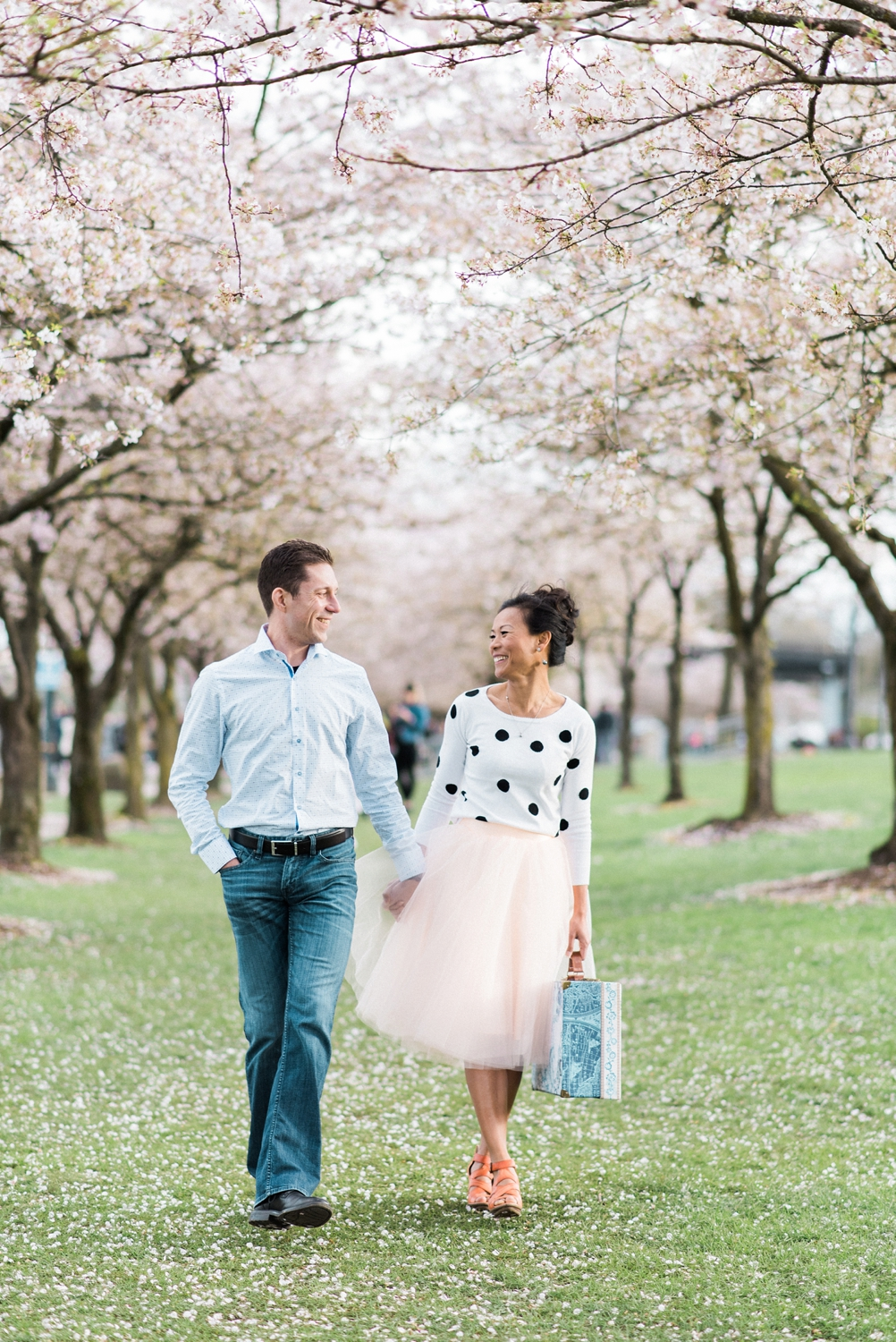 portland-waterfront-engagement-cherry-blossom-cathedral-park-sokhorn-jay-126_cr.jpg