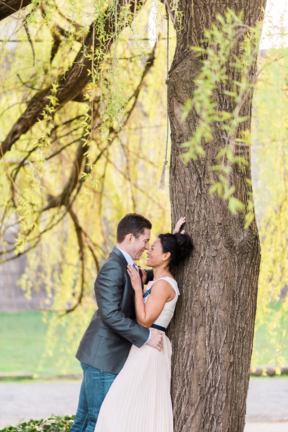 portland-waterfront-engagement-cherry-blossom-cathedral-park-sokhorn-jay-272_cr.jpg