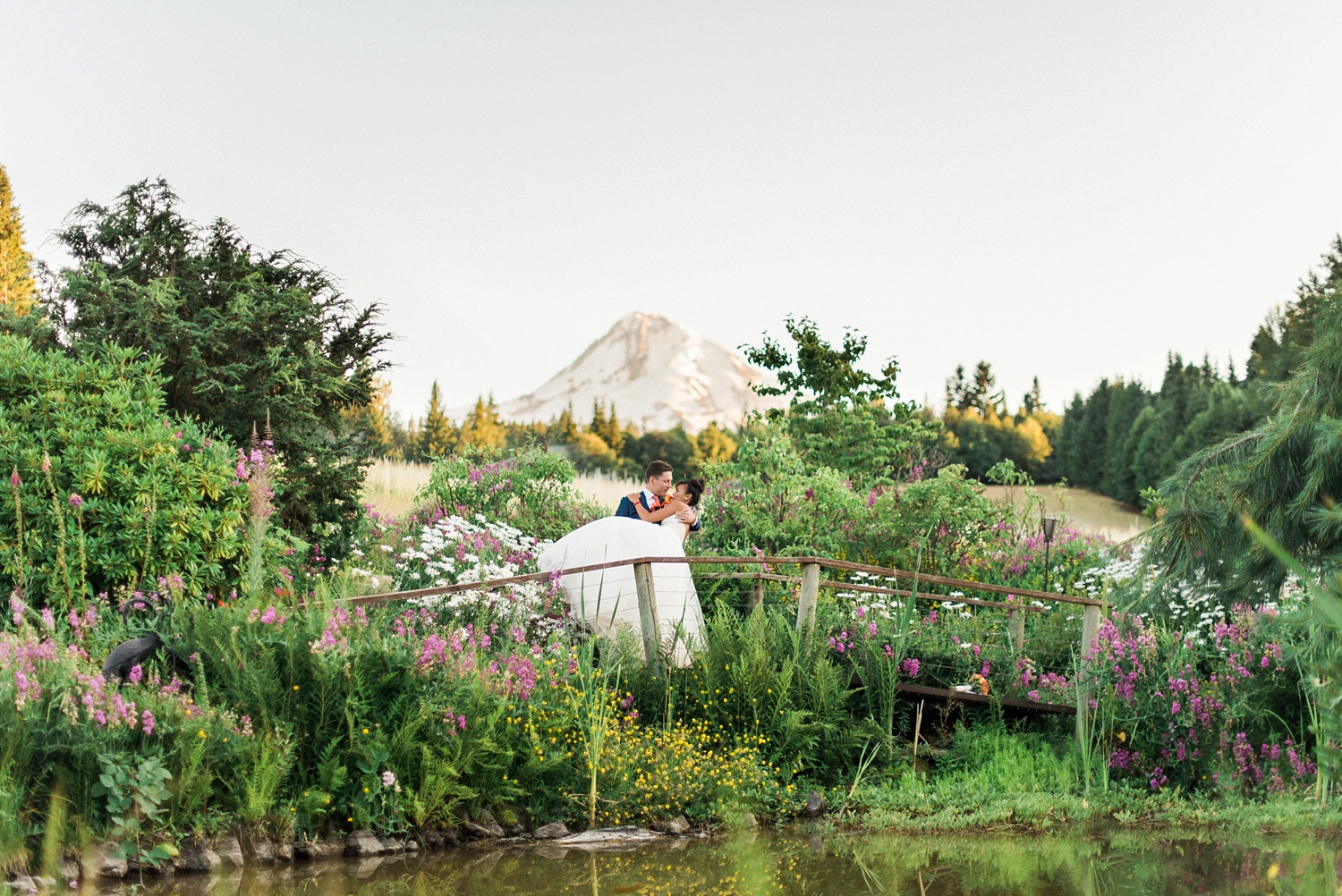mount-hood-bnb-wedding-portland-oregon-sokhorn-jay-1246_cr.jpg