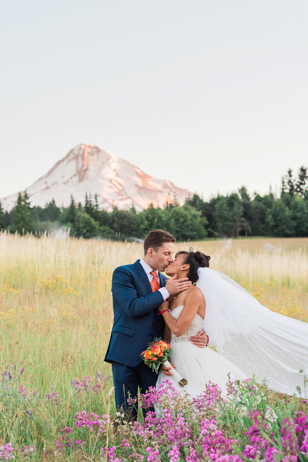 mount-hood-bnb-wedding-portland-oregon-sokhorn-jay-1292_cr.jpg