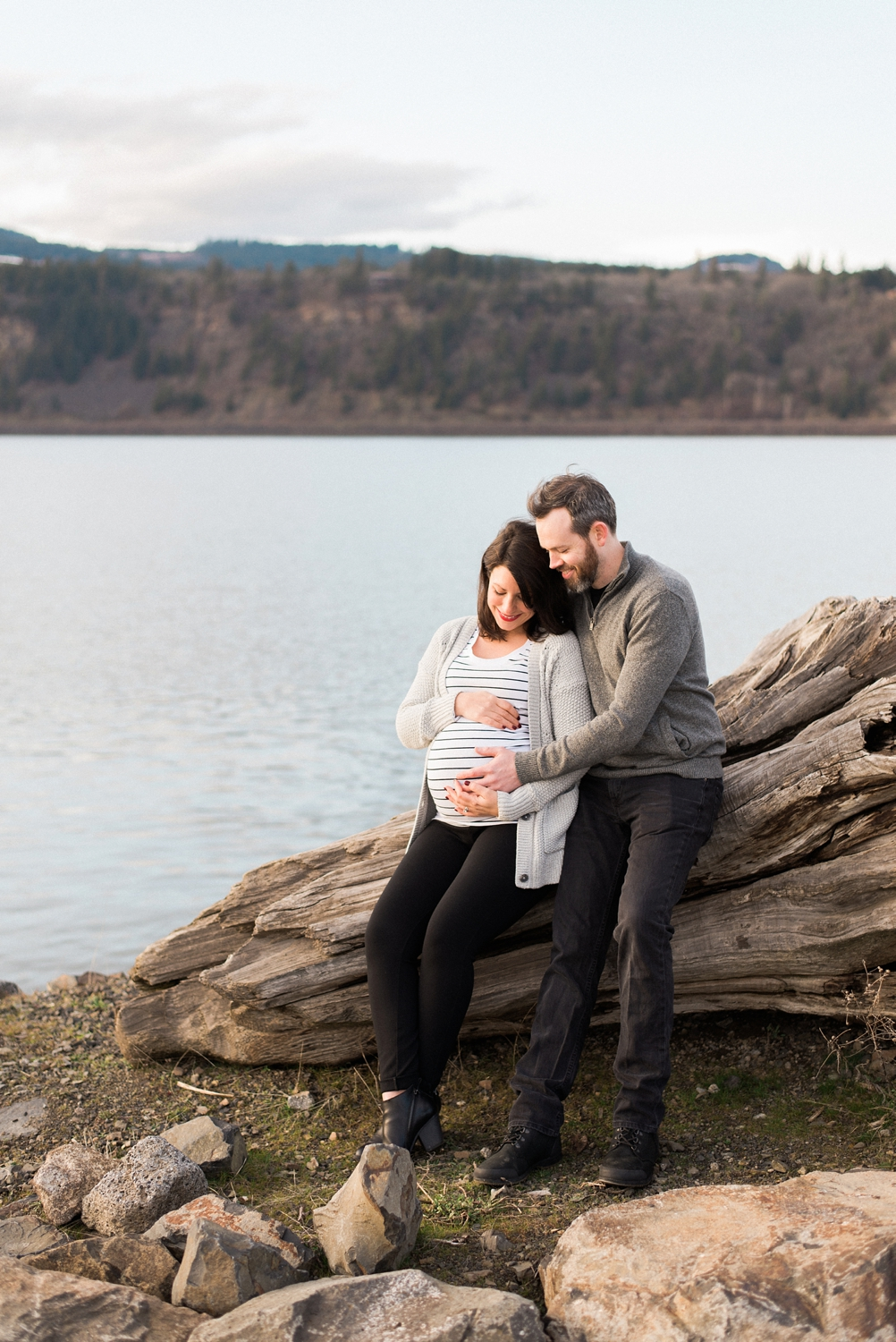 hood-river-maternity-photos-columbia-river-gorge-shelley-marie-photo-109_cr.jpg