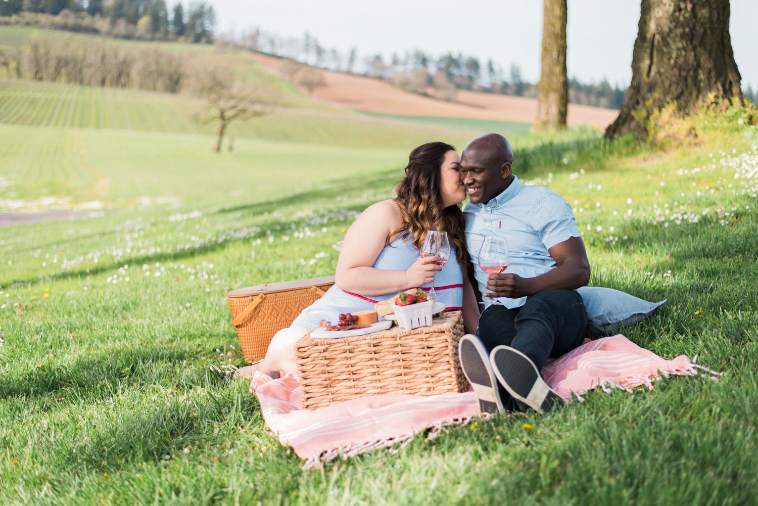 stoller-vineyards-engagement-photos-portland-oregon-shelley-marie-photo-039.jpg