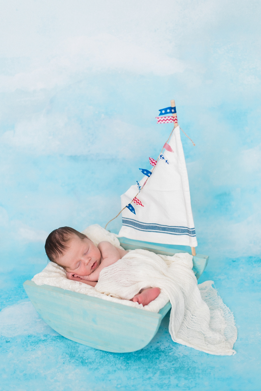portland-newborn-session-blue-sailboat-baby-boy-shelley-marie-photo-186_cr.jpg