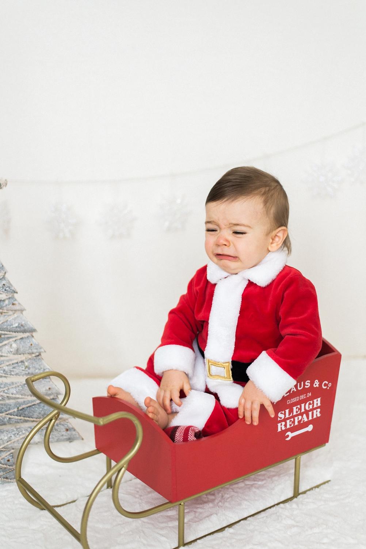 portland-newborn-christmas-santa-holiday-photos-1-year-baby-portrait-session-033_cr.jpg