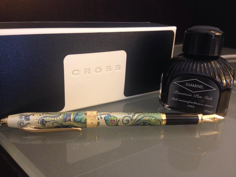 The Cross Botanica Green Day Lily pen with a fine gold nib. Plus a new jar of ink, which is a dark smoky purple.