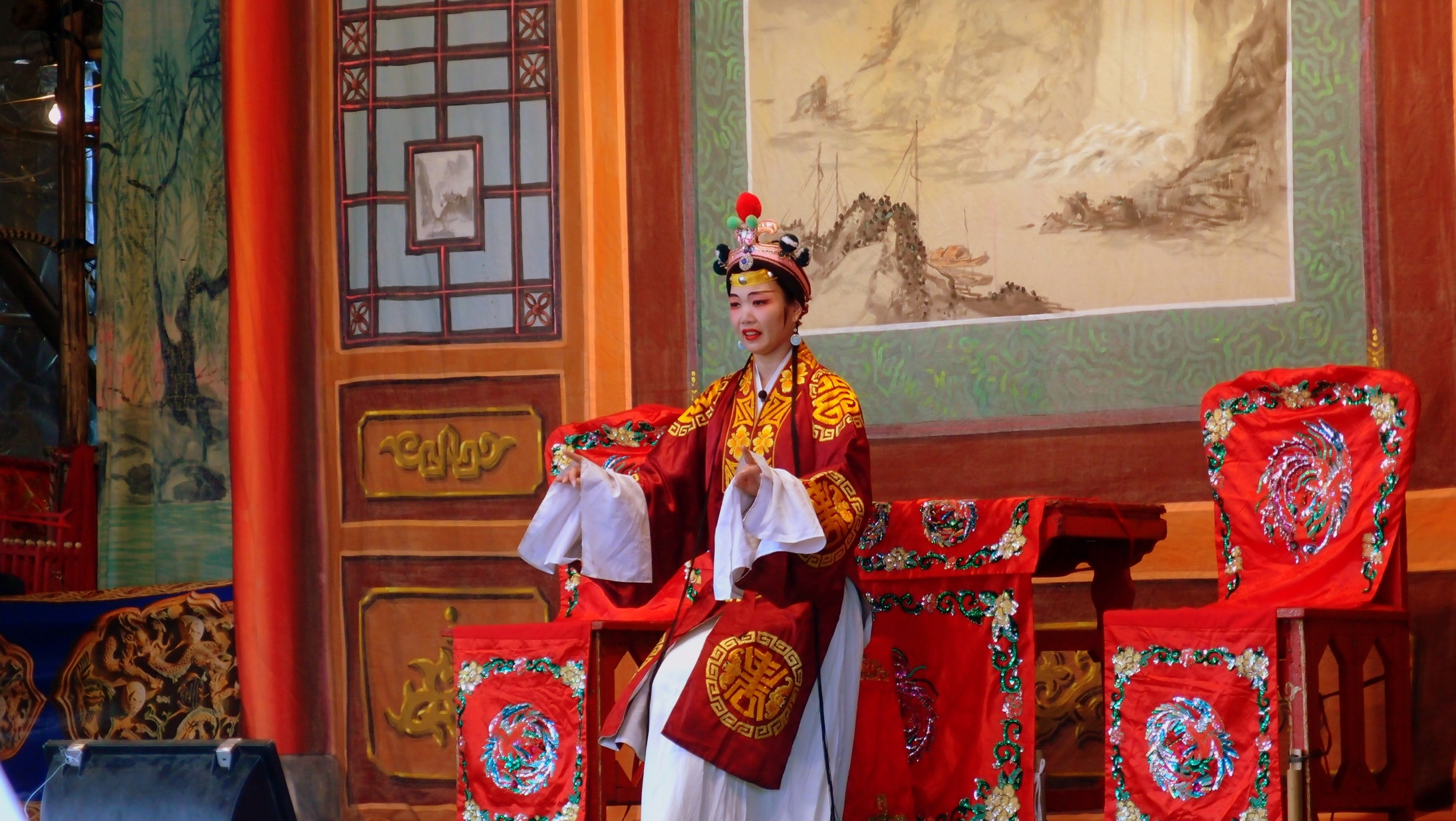 Chinese Opera - not my cup of tea