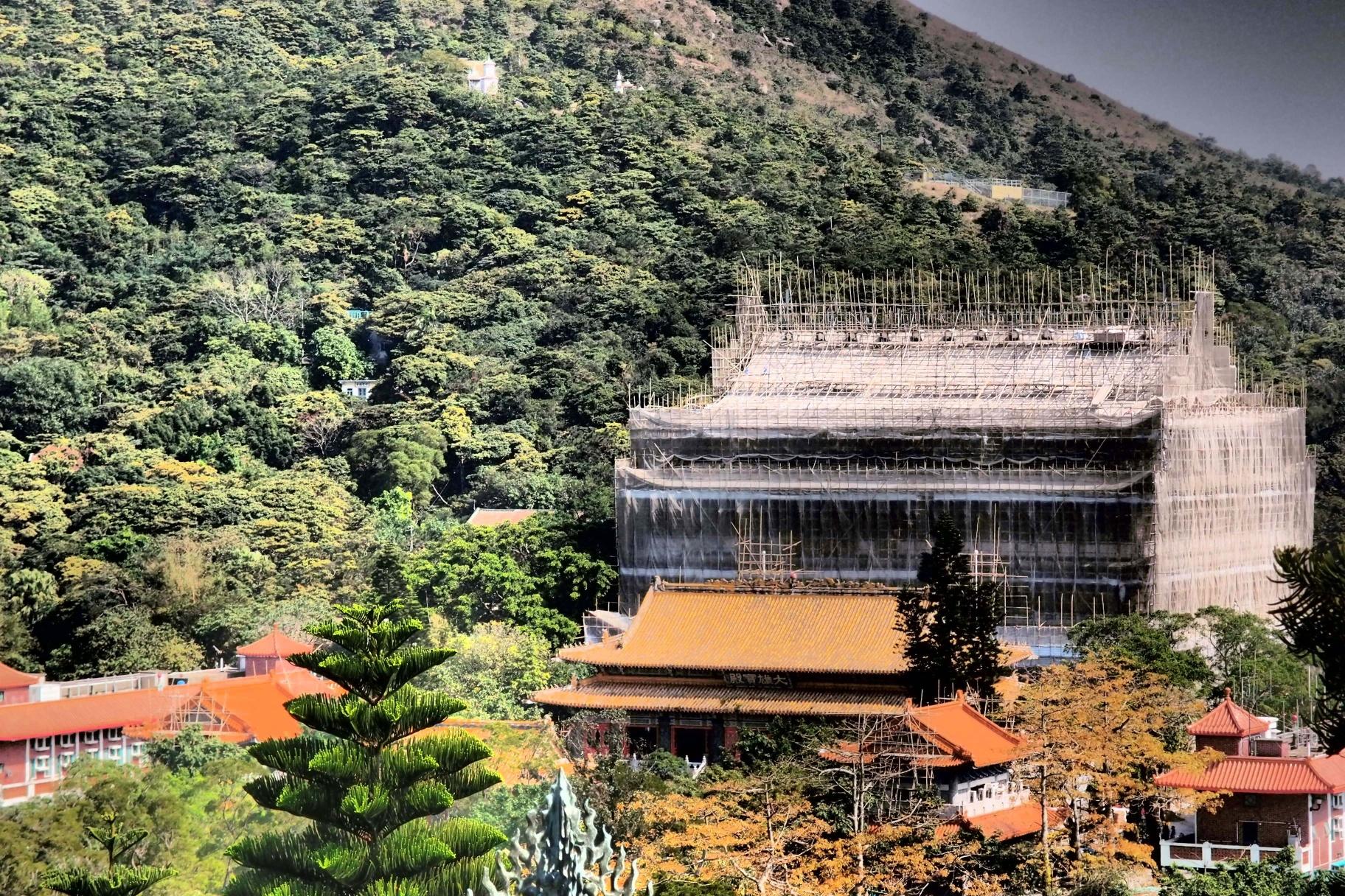 The new and mighty Po Lin Monastery,   still   under construtction