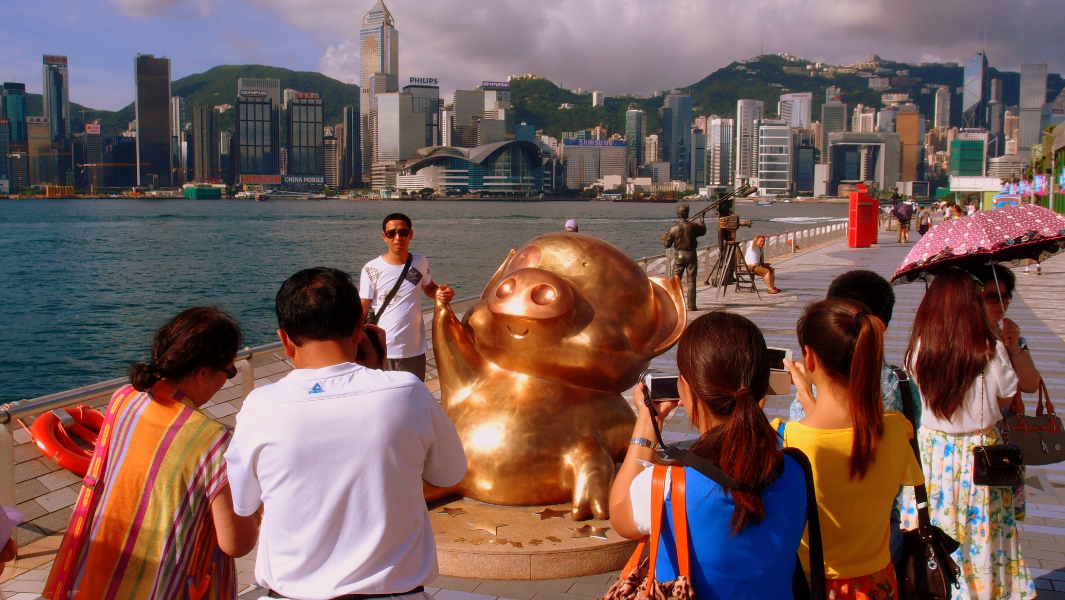 The gold pig cartoon character is by all accounts famous and legendary in Hong Kong, could have fooled me.