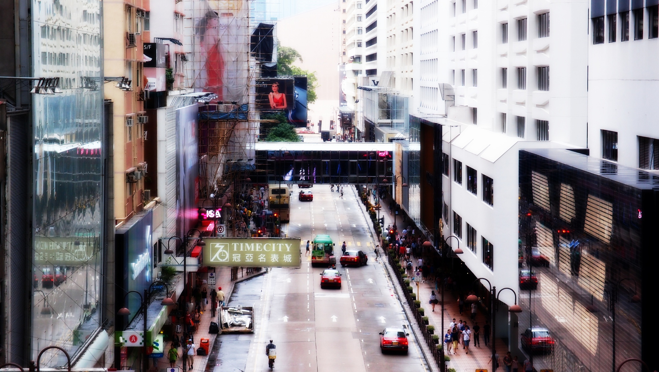The most famous shopping street in Hong Kong