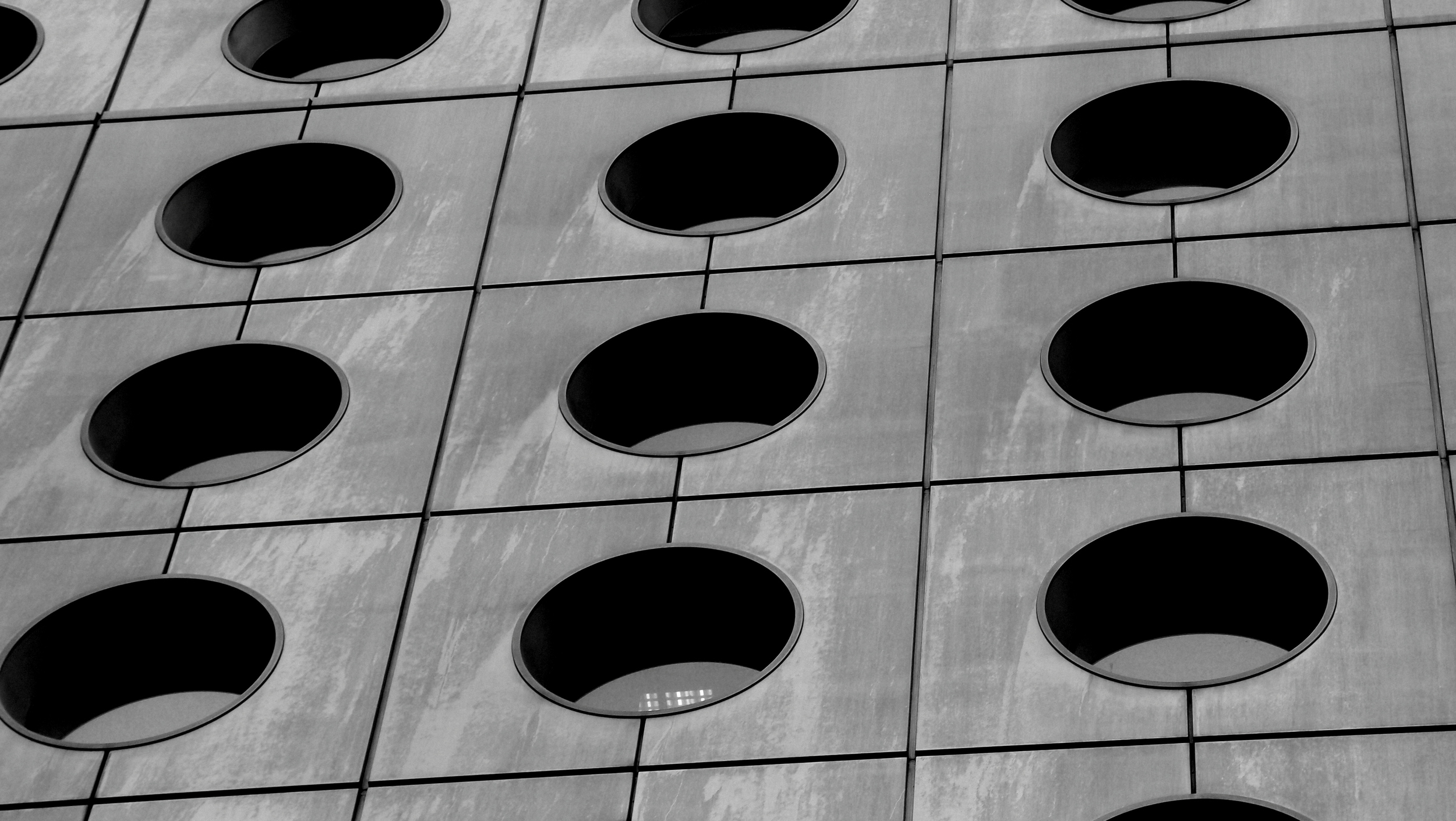 Jardine House in black and white