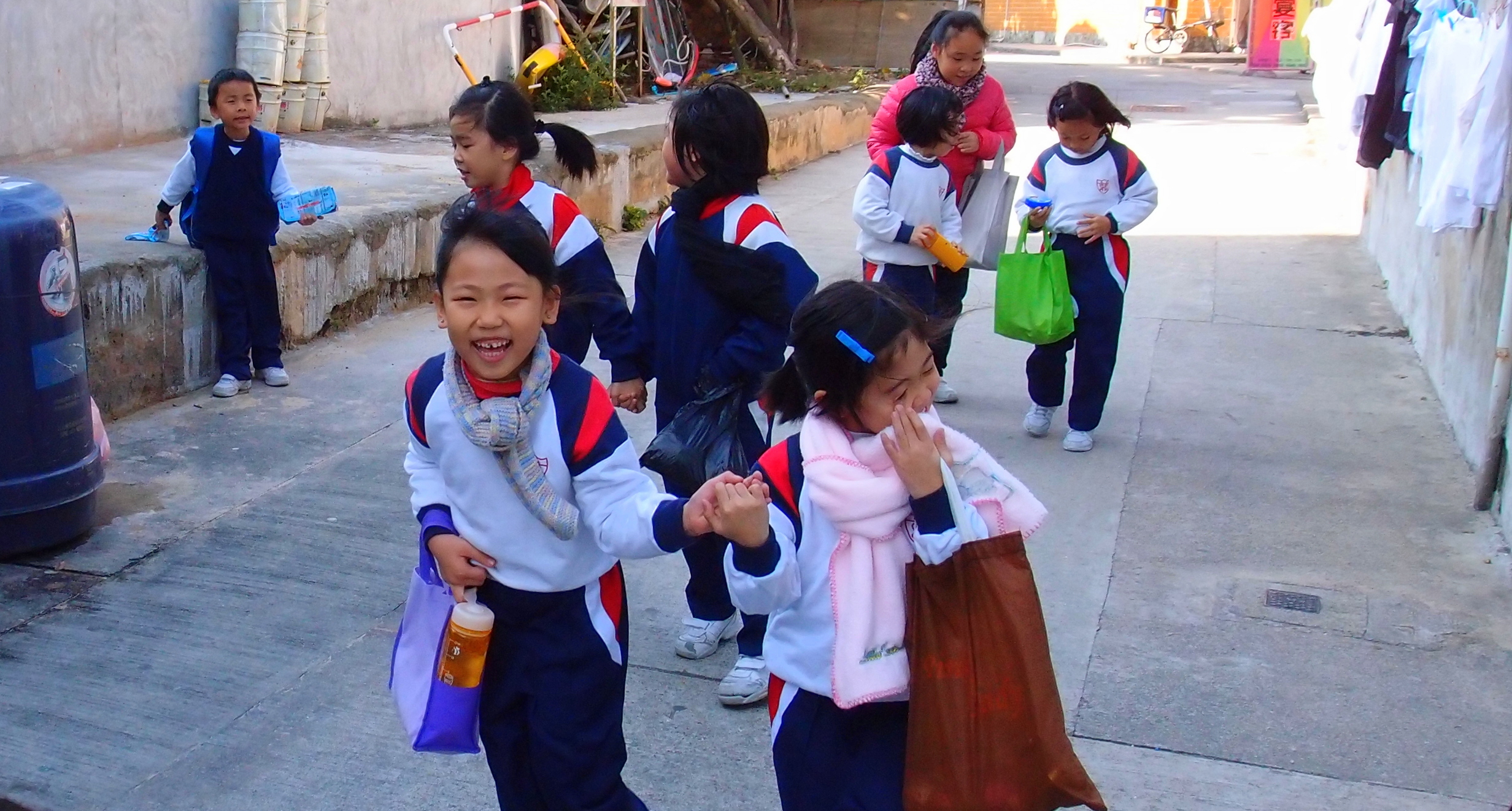 I have to say that it is quite rare to see happy school children in Hong Kong, these primary school kids on Cheung Chau Island seem happy enough.. but then again it is a much slower place of life on Cheung Chau