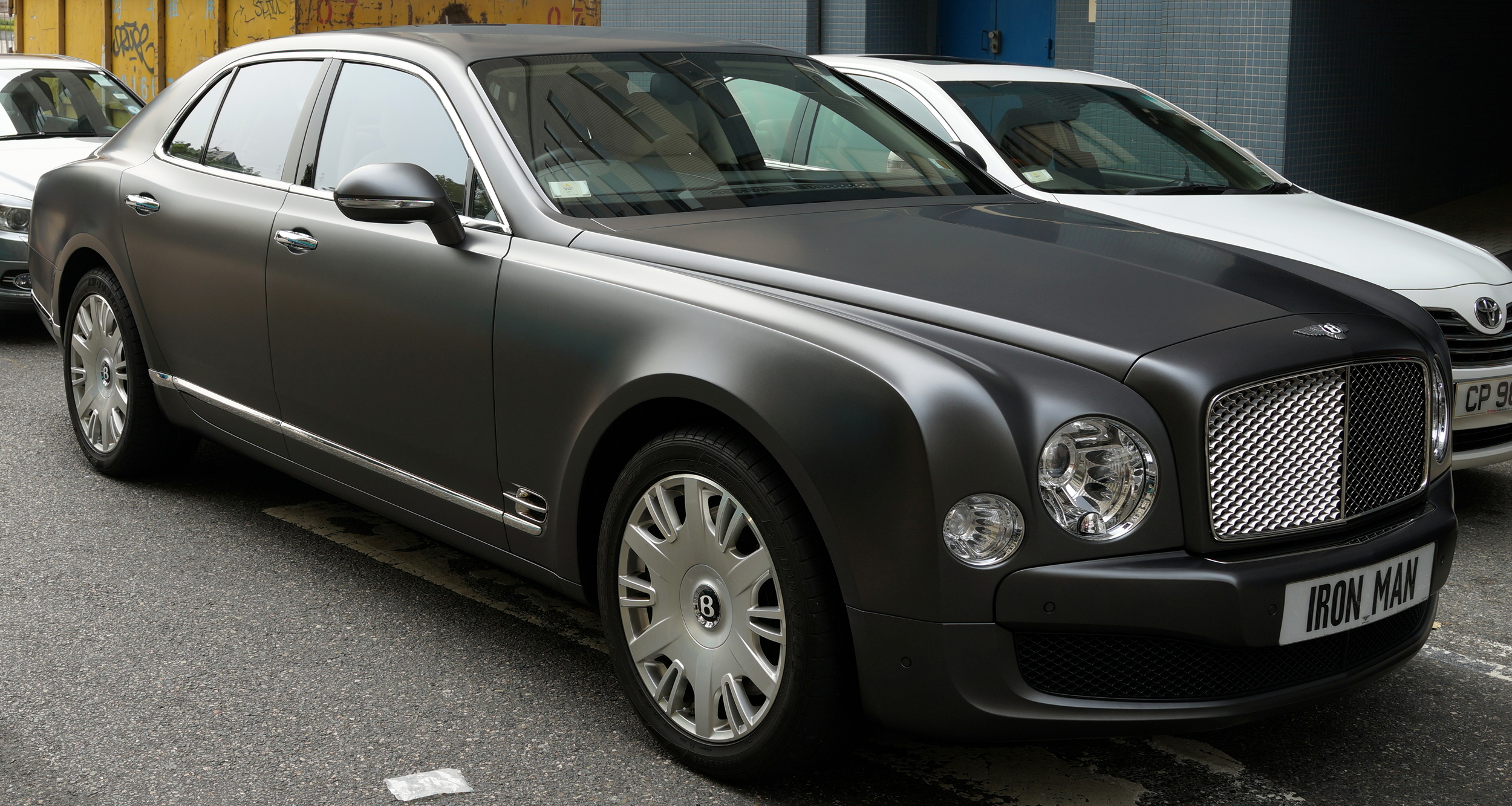 Oh my - brilliant number plate on a fabulous Bentley