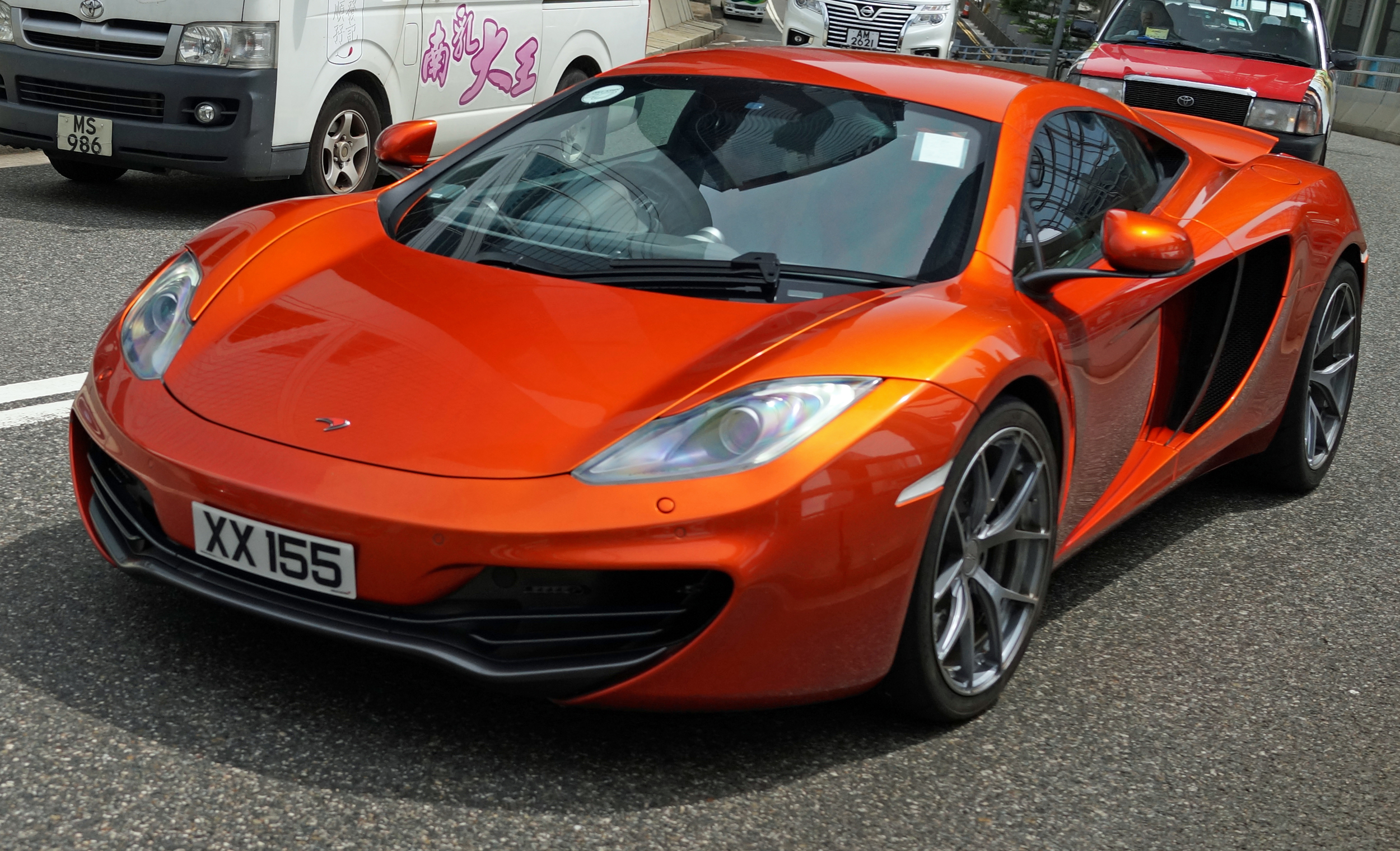 Oh my - this is my favourite McLaren in Hong Kong, I just love the colour