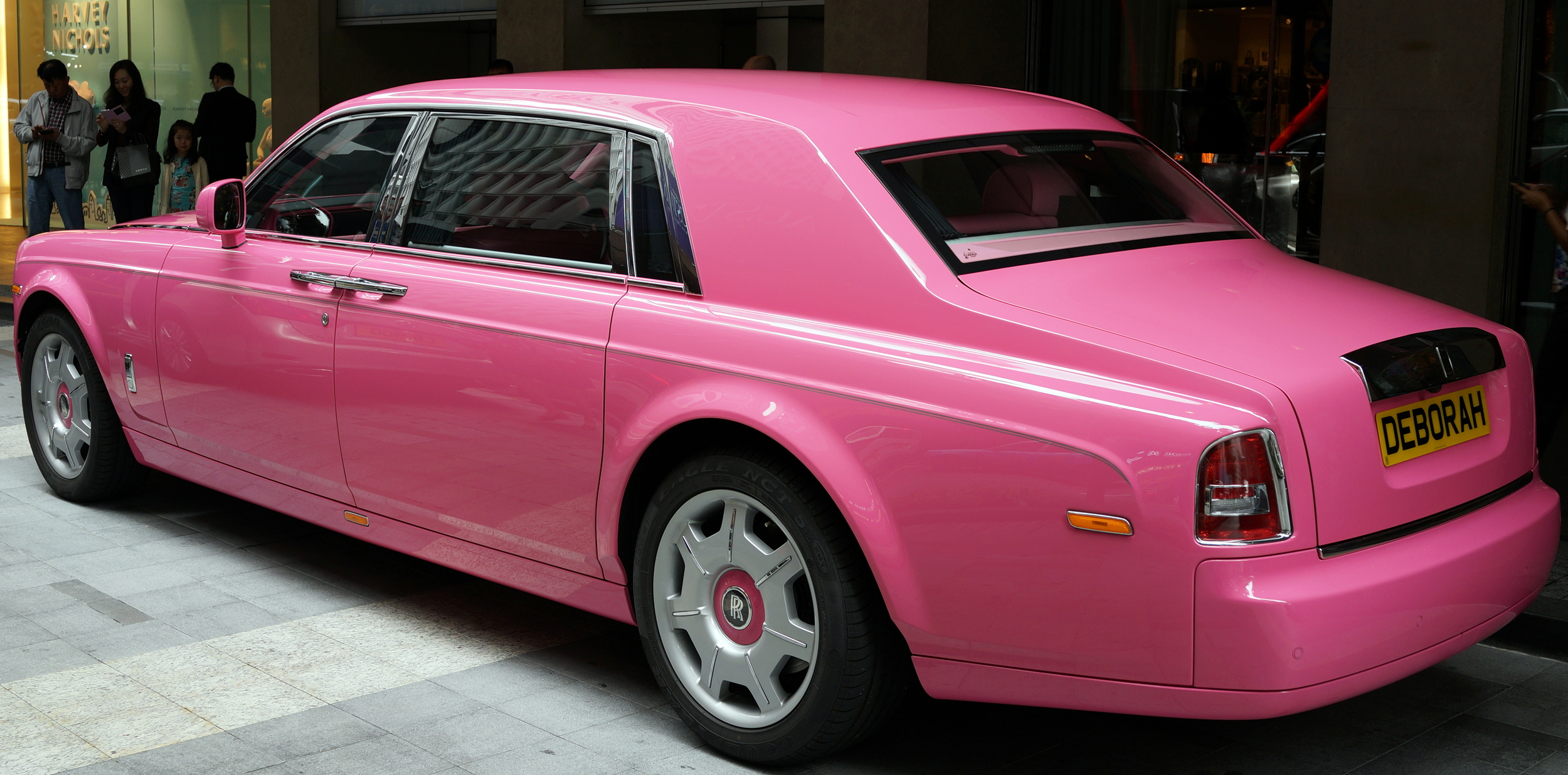 Clearly Stephen does not care what people think of his rather eccentric and questionable taste with regards to this Rolls Royce Phantom - this is what he bought his wife! amazing.