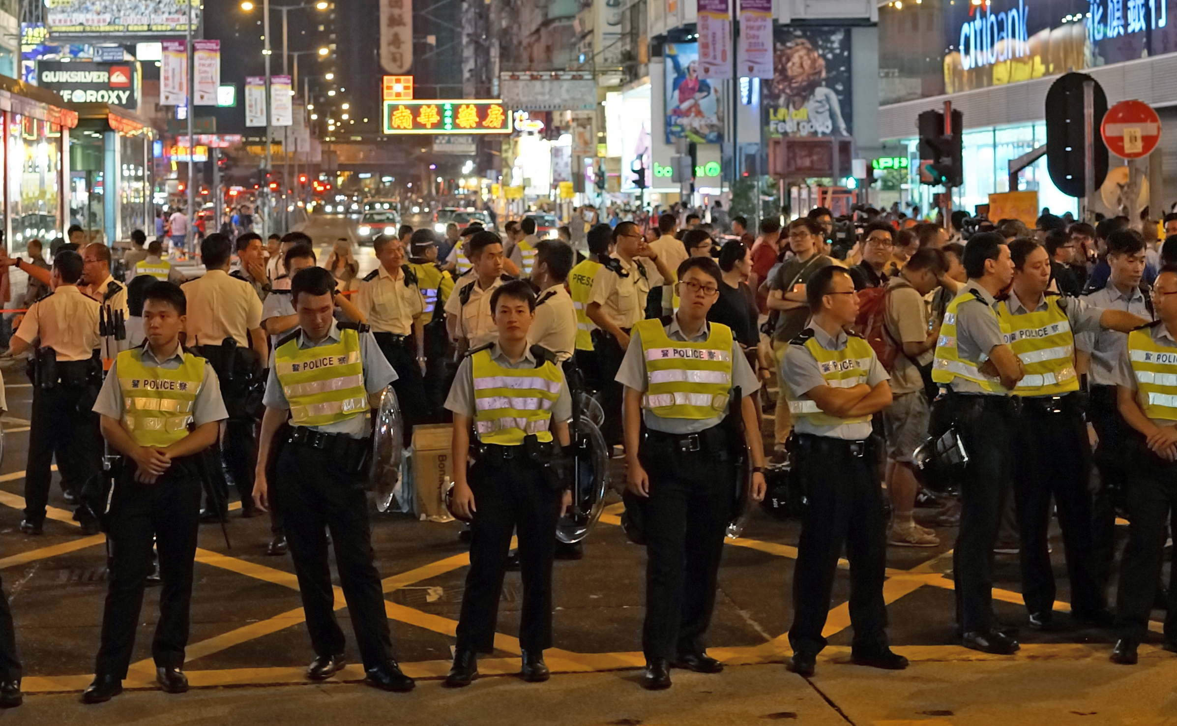 Mong Kok street protests - I have a great respect for our Police and fully support what they are doing against unruly mobs.