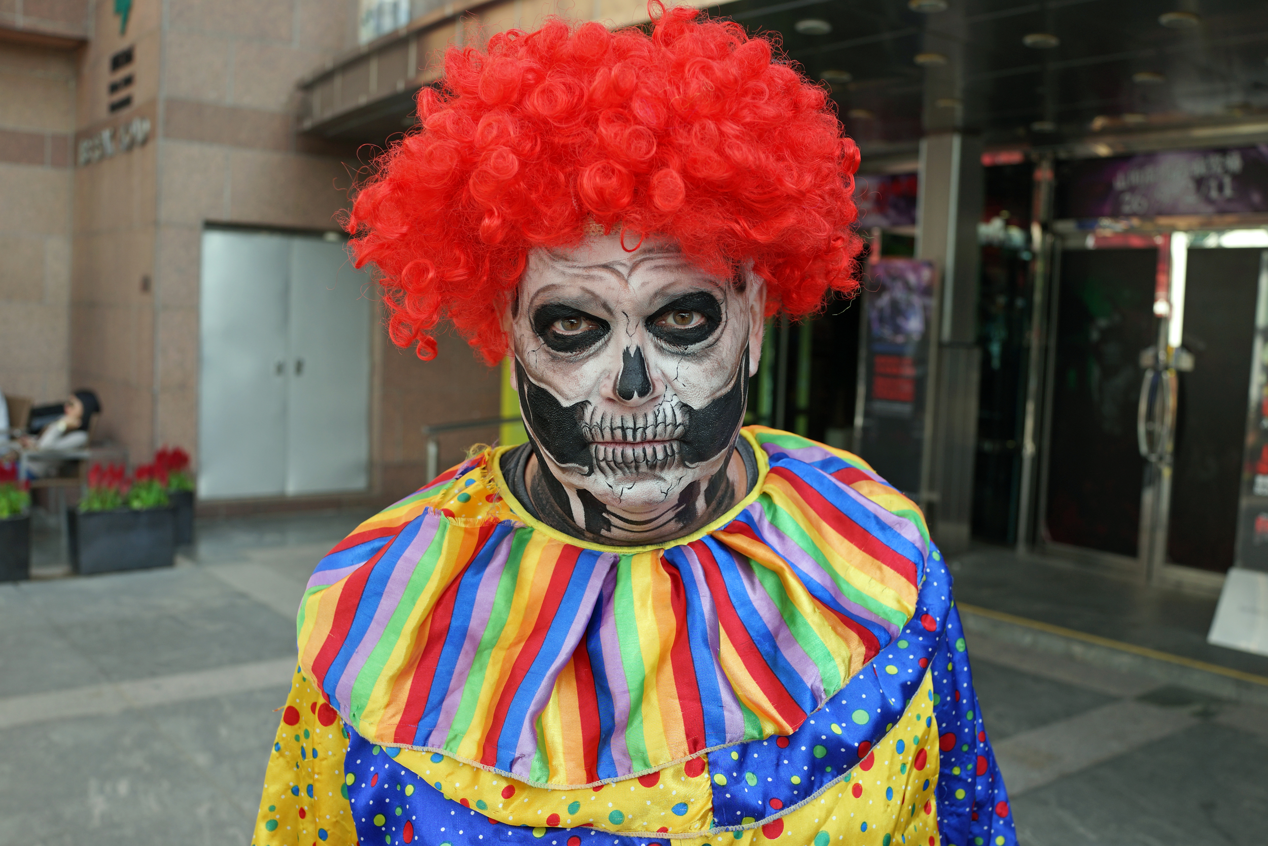 This chap is American, this chap is a haunted clown, I hate clowns, always have always will - I blame the TV Series IT by Stephen King and the evil clown played by Tim Curry. I HATE CLOWNS!!