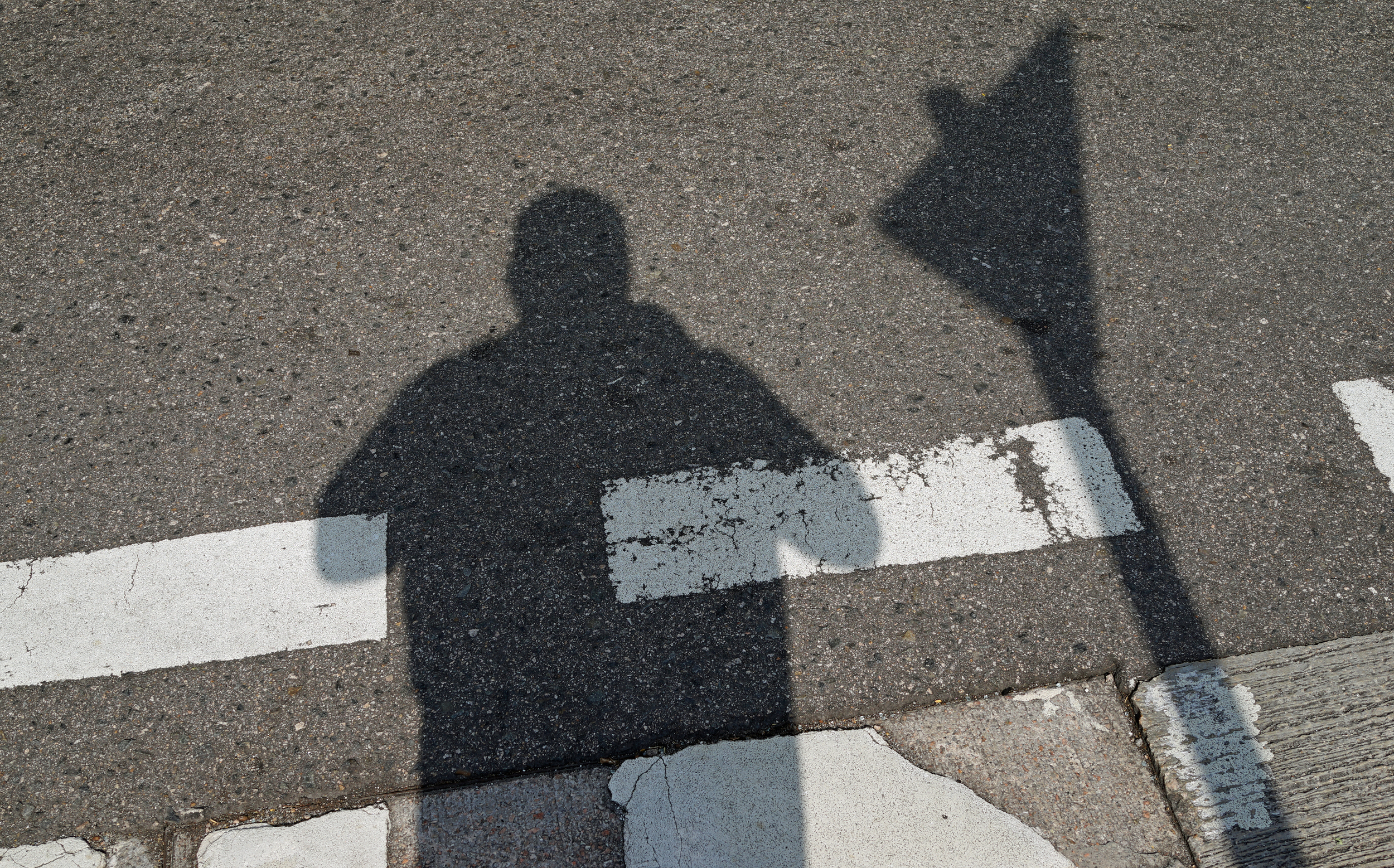 OK, I am a bit overweight but my shadow does me no favours, it looks like I am about 350lbs!!