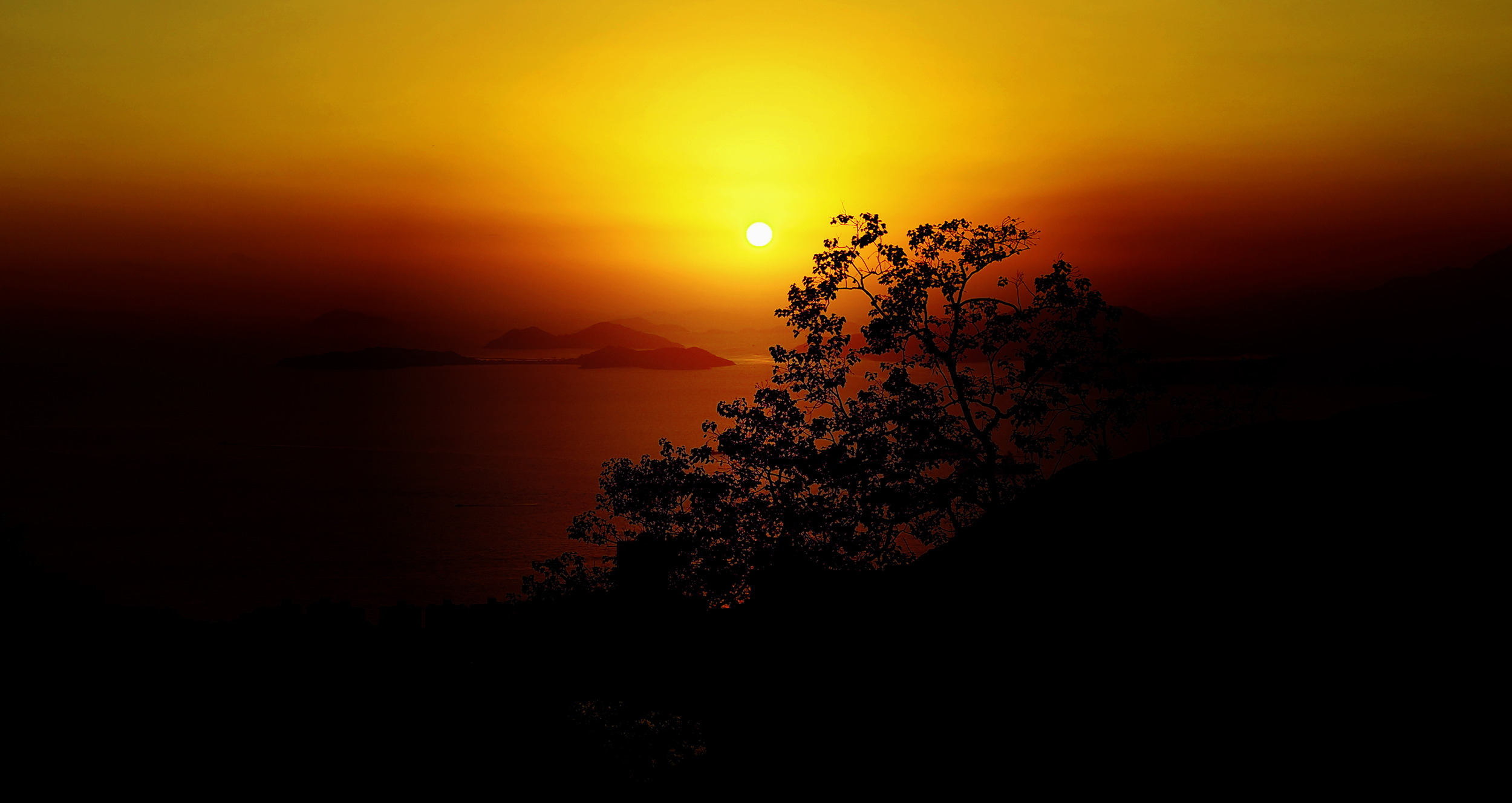 I got lucky today, I am not often at the Peak for sunset and I was just in time to catch this and it came out rather well... Cheung Chau Island is in the distance.