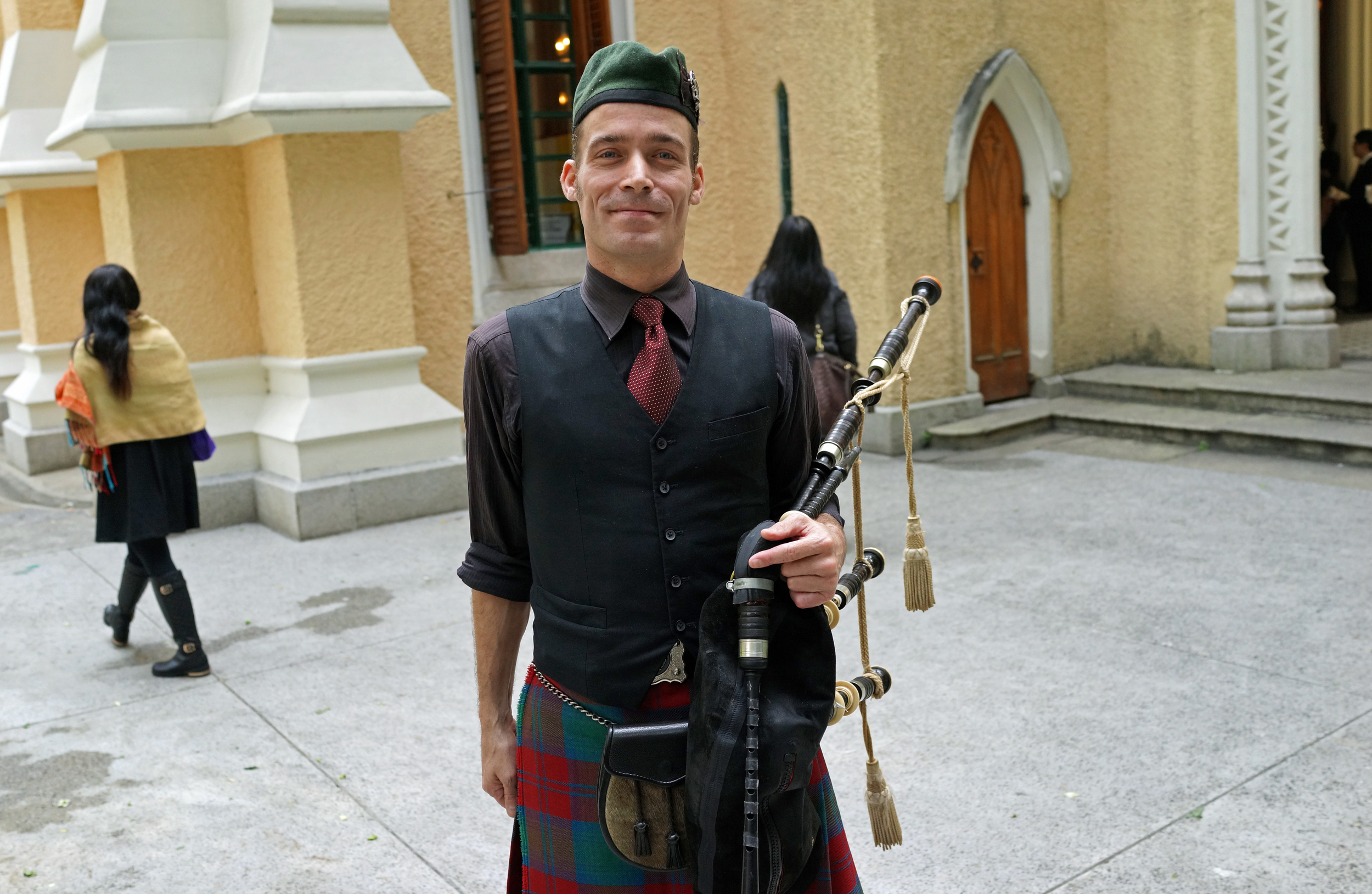 Not often I get to meet Canadian Bagpipe players at St. Johns Cathedral, it is right up there with a Hong Kong squirrel sighting! - this chap was playing at a funeral.