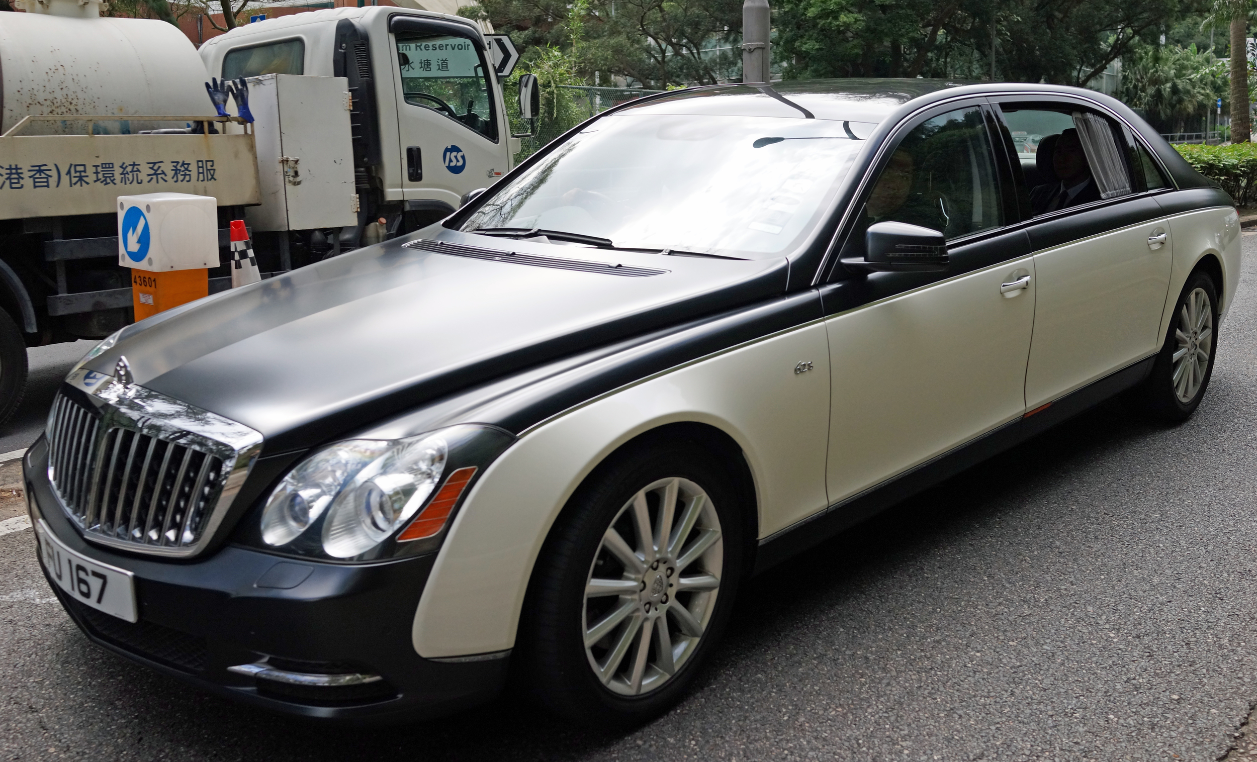 The Maybach is the must have car for our super rich billionaires, lovely car and I am glad that Mercedes Benz have brought it back... I am getting the evil eye from the bodyguard in the front passenger seat!