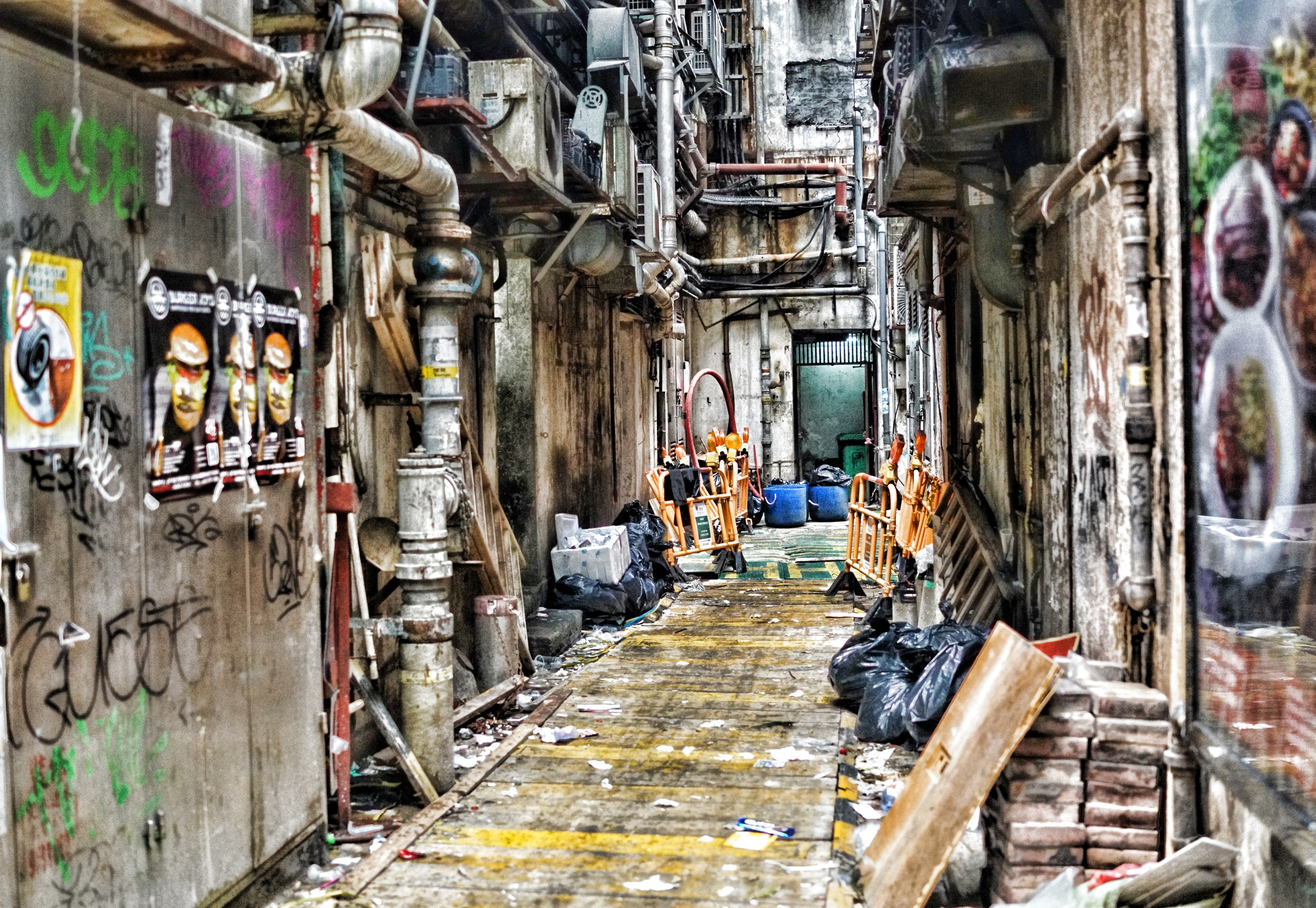A typical dodgy alley in Hong Kong but of course, perfectly safe! -