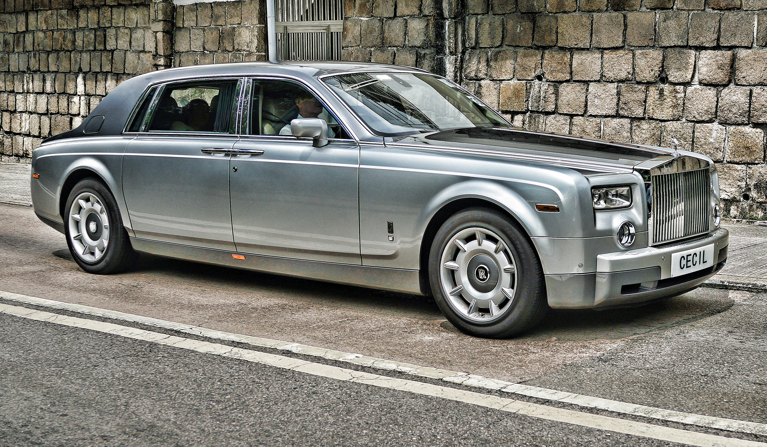 Our Cecil is a bit of lad really and a hit with the ladies and he does have a certain style.. one of his many cars is this rather lovely Rolls Royce Phantom