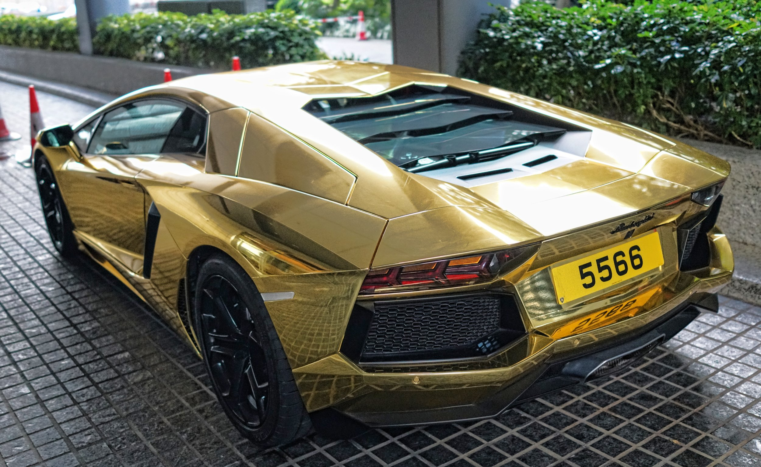 No less awesome is this quite famous (in Hong Kong) Lamborghini Aventador which causes some real Linda Blair 360o head turns, quite magnificent it is and it over the tops most over the top cars in Hong Kong.
