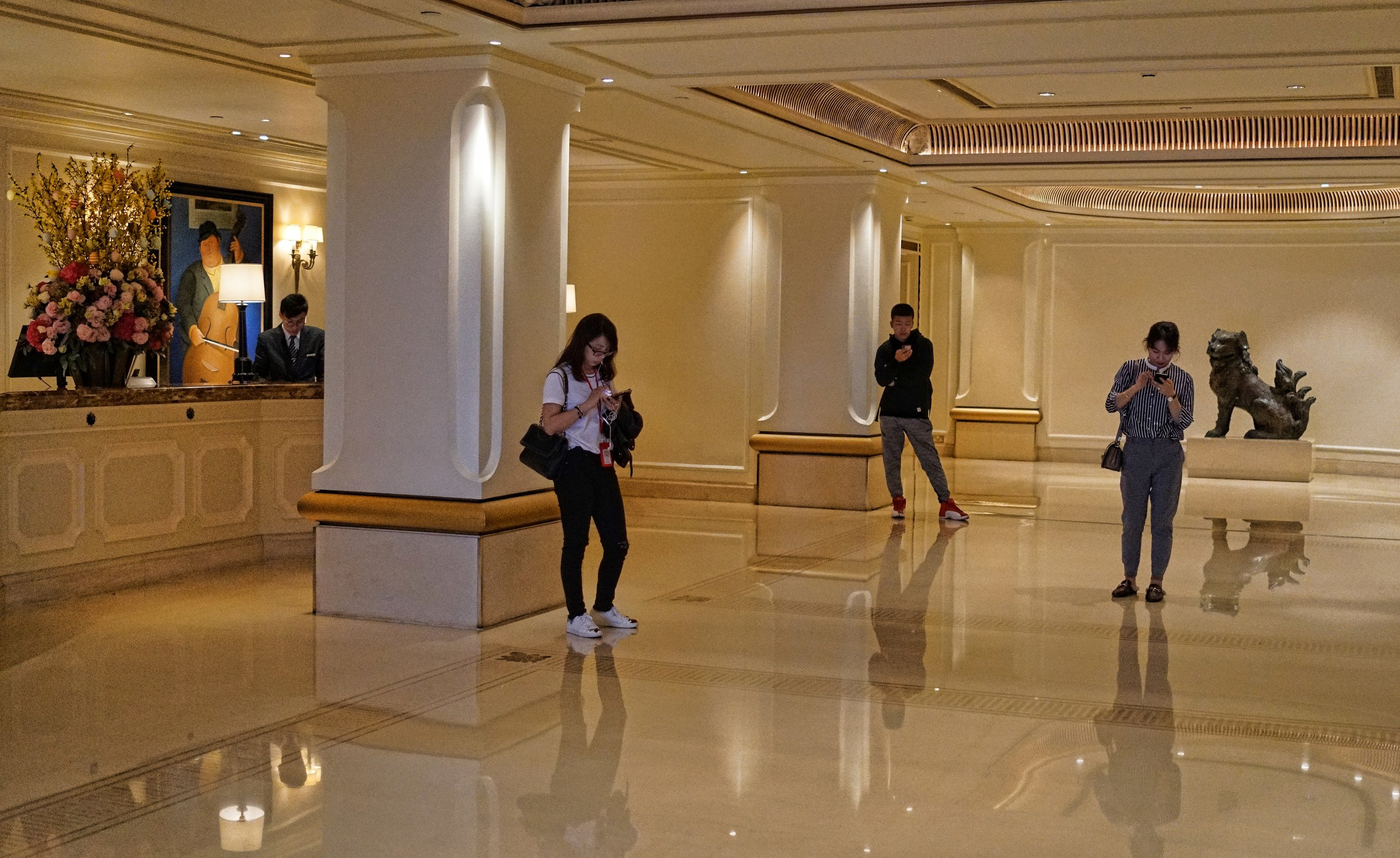Why book a coach tour through the Hotel? why book a tour on an online platform? | book your last minute Premium Private Tour of Hong Kong directly with Jamie -