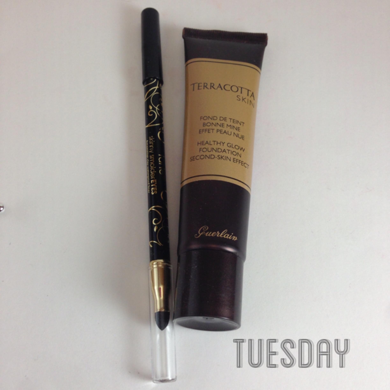Tarte Skinny Smoldereyes Eyeliner in Onyx, Guerlain Terracotta Healthy Skin Foundation in Brunettes