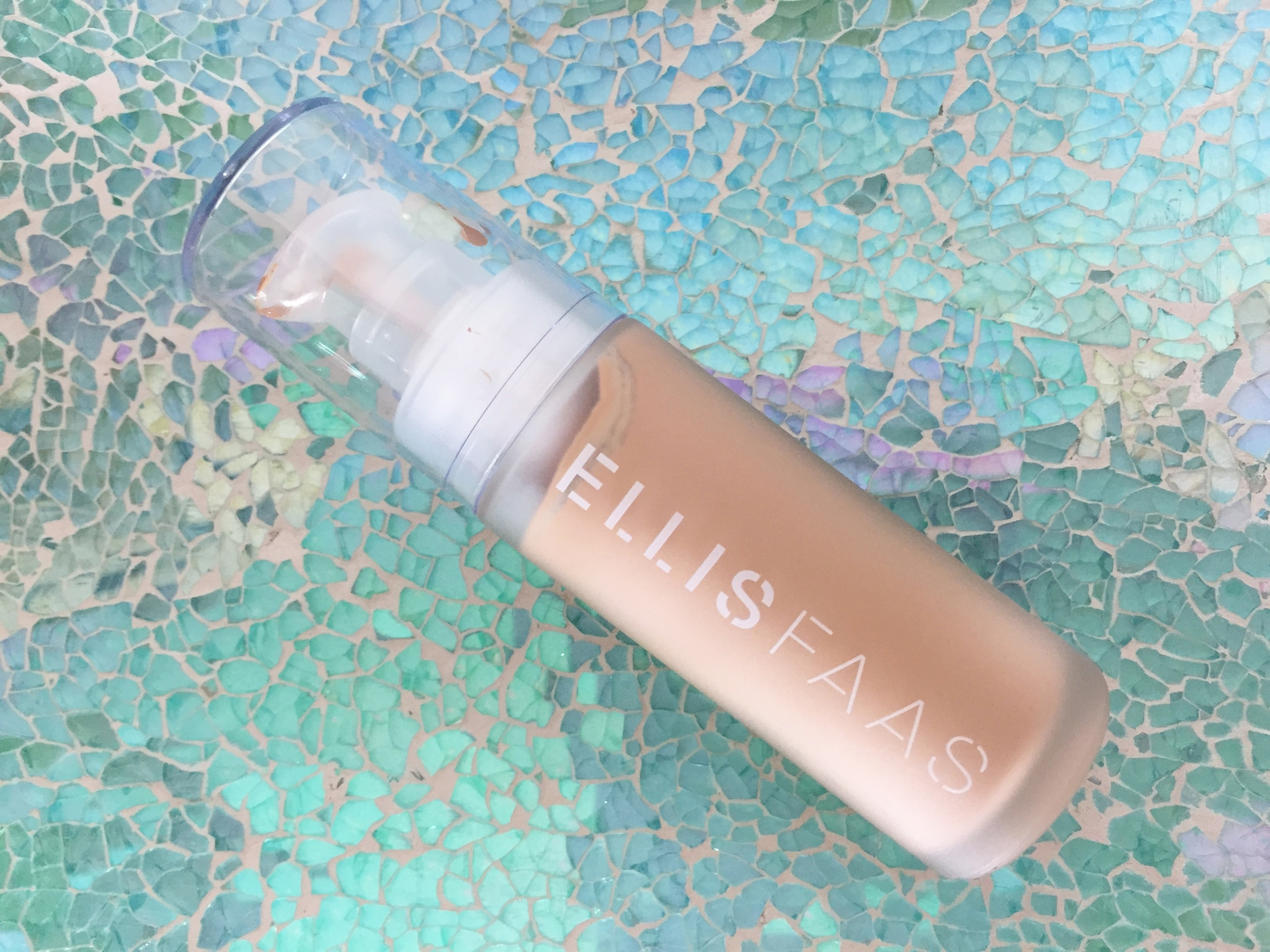 Ellis Faas Skin Veil Foundation S104 Review