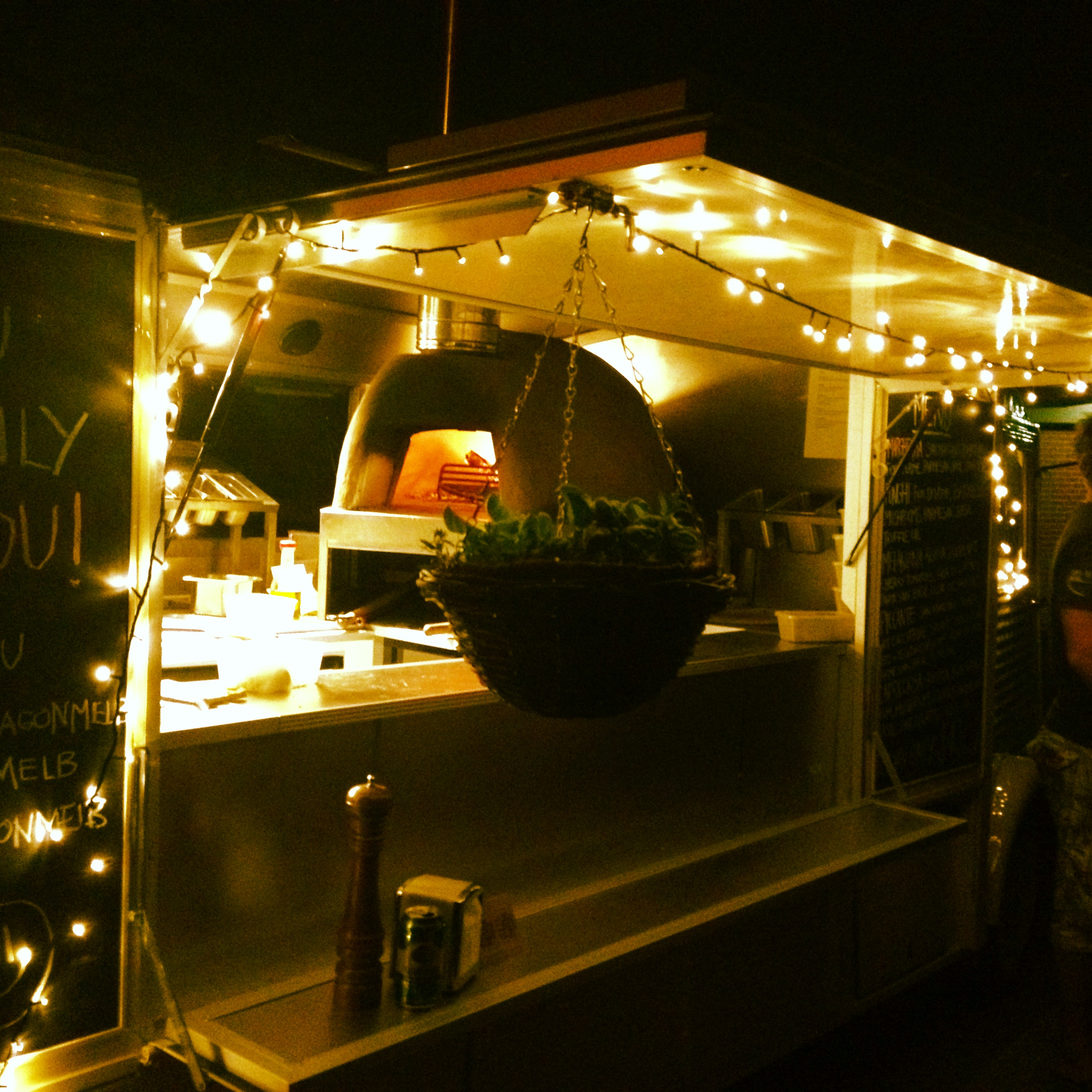 Night time at the Pizza Wagon