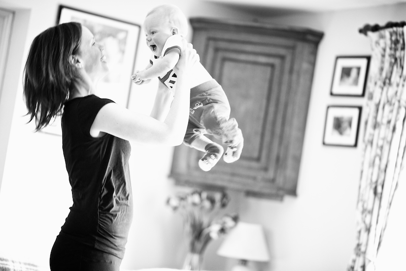 mother and baby playing modelling Mums2B maternity fitwear