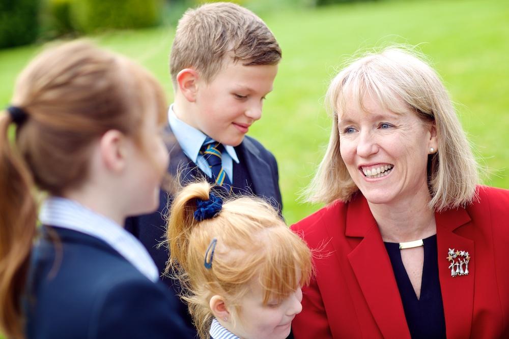 TKS Anne with children 006.jpg