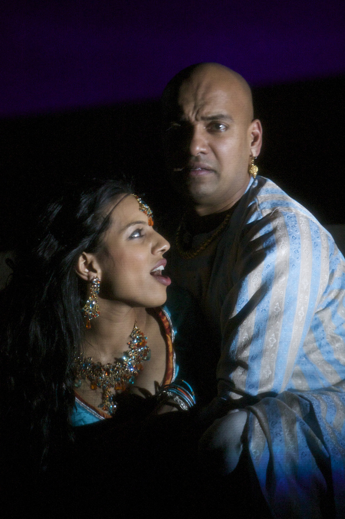 Youkti Patel (Shakuntala) and Gary Pillai (Vijay)