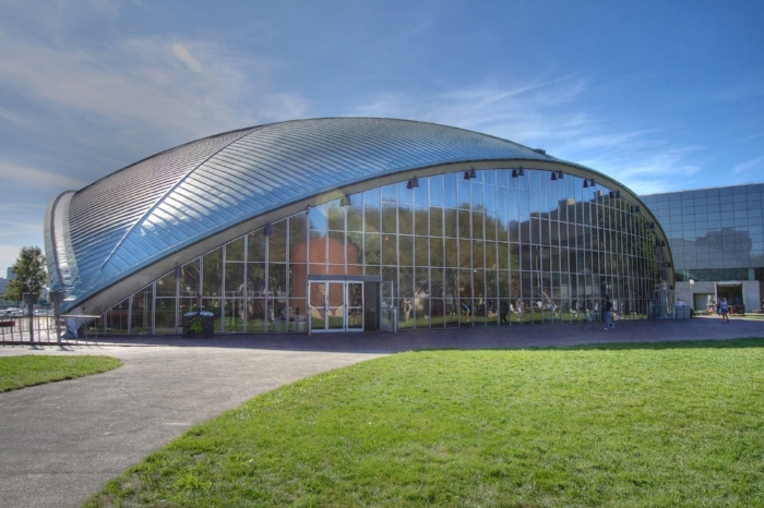 Eero Saarinen 's Kresge Auditorium, Massachusetts Institute of Technology - Photo Courtesy of Wikipedia