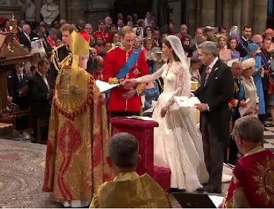 Kate-Middleton-Wedding-Dress-Photo-4.jpg
