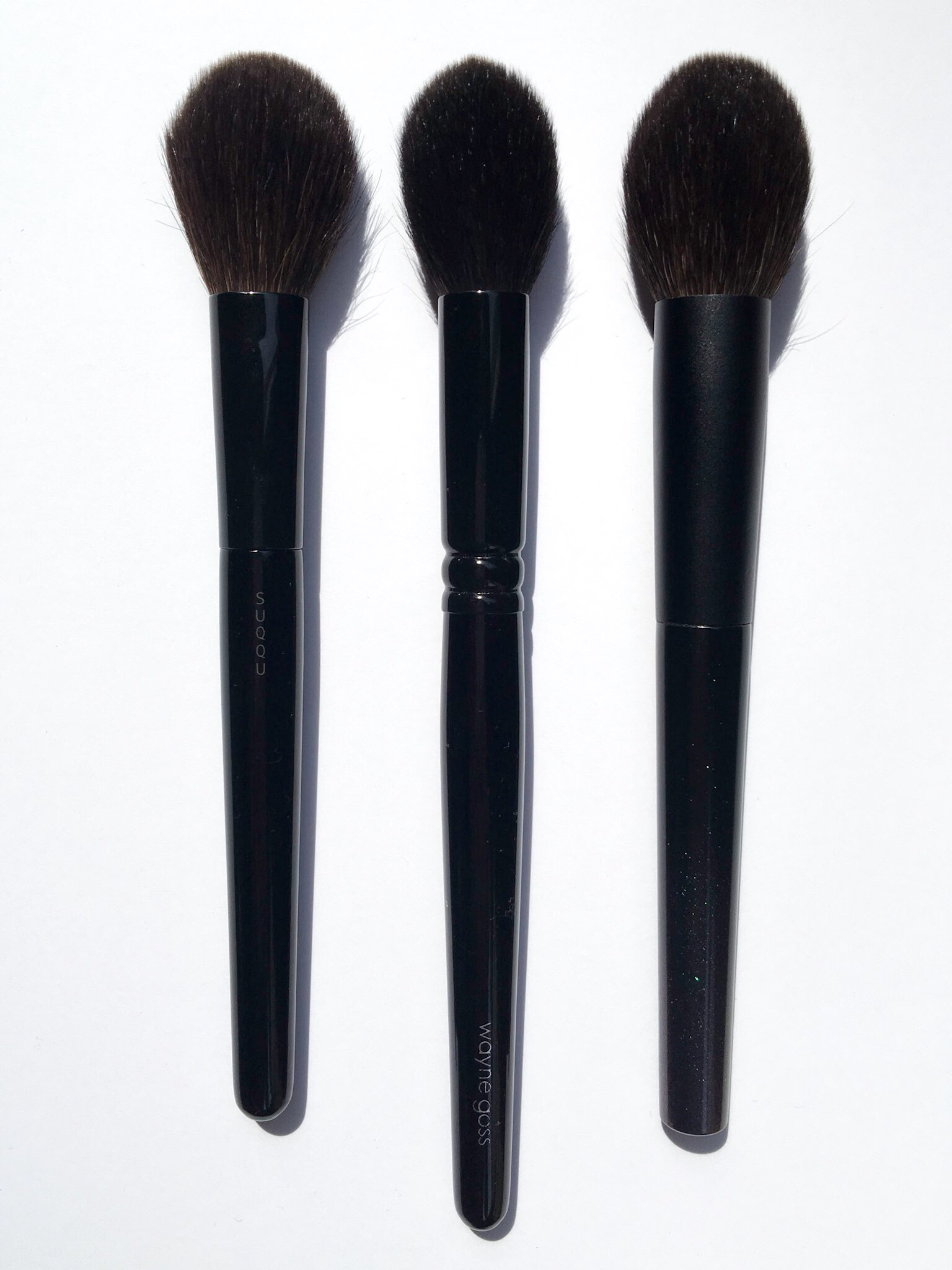 L to R:   Suqqu Cheek Brush, Wayne Goss 02, Surratt Cheek Brush - gummyvision.com