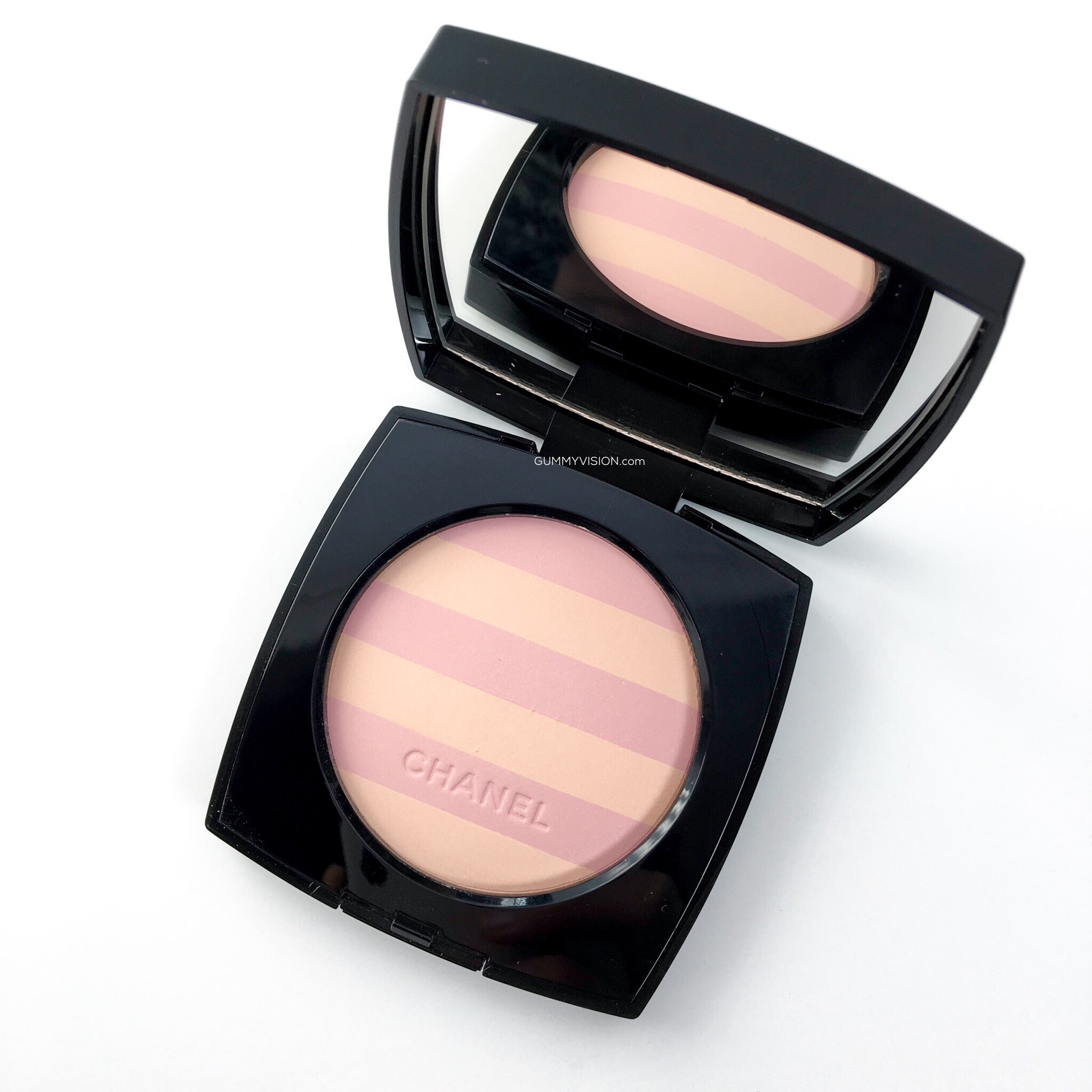 Chanel Les Beiges Healthy Glow Multi-Colour SPF 15 in Mariniere 01
