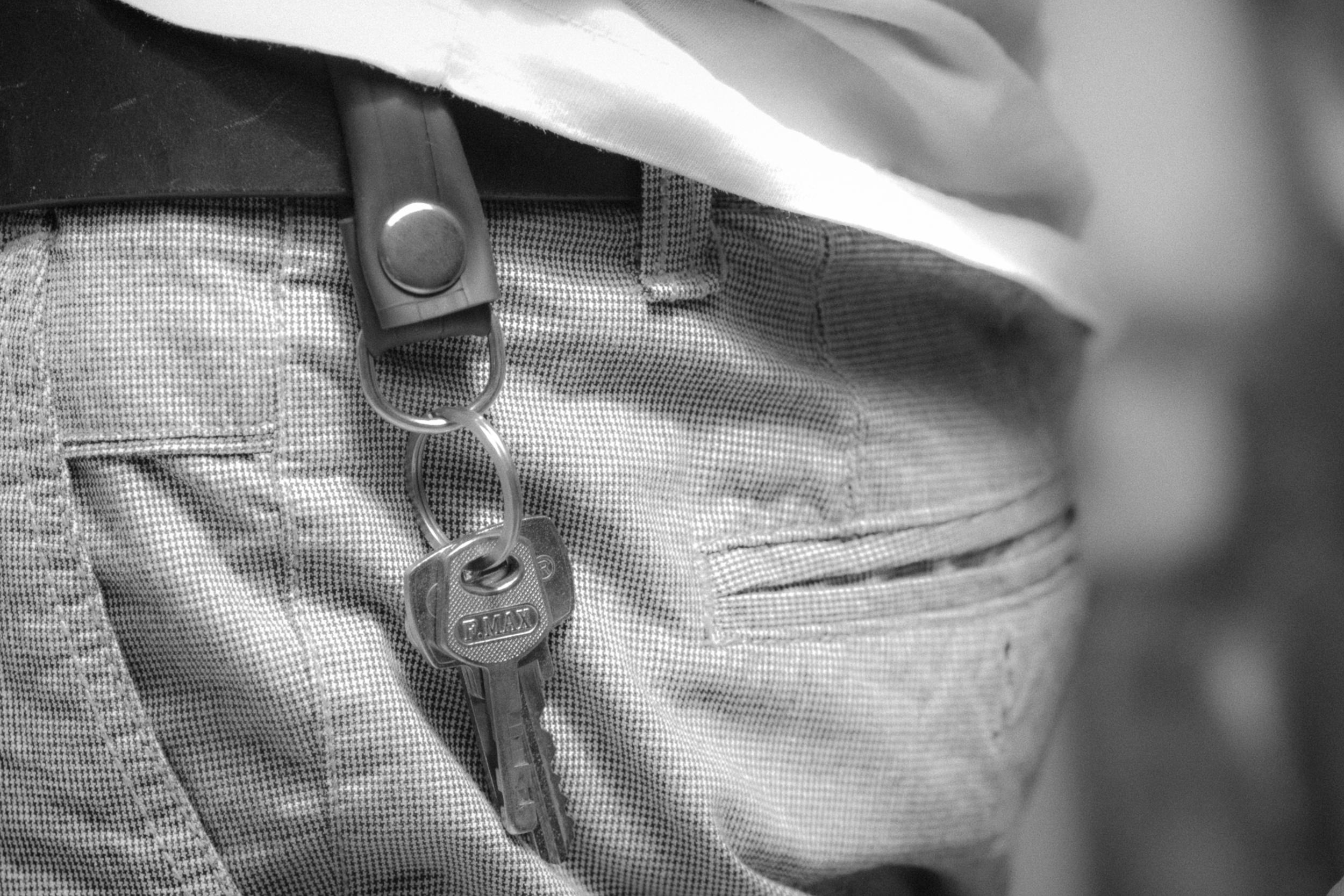 Para colocar en el cinturón gracias al broche.