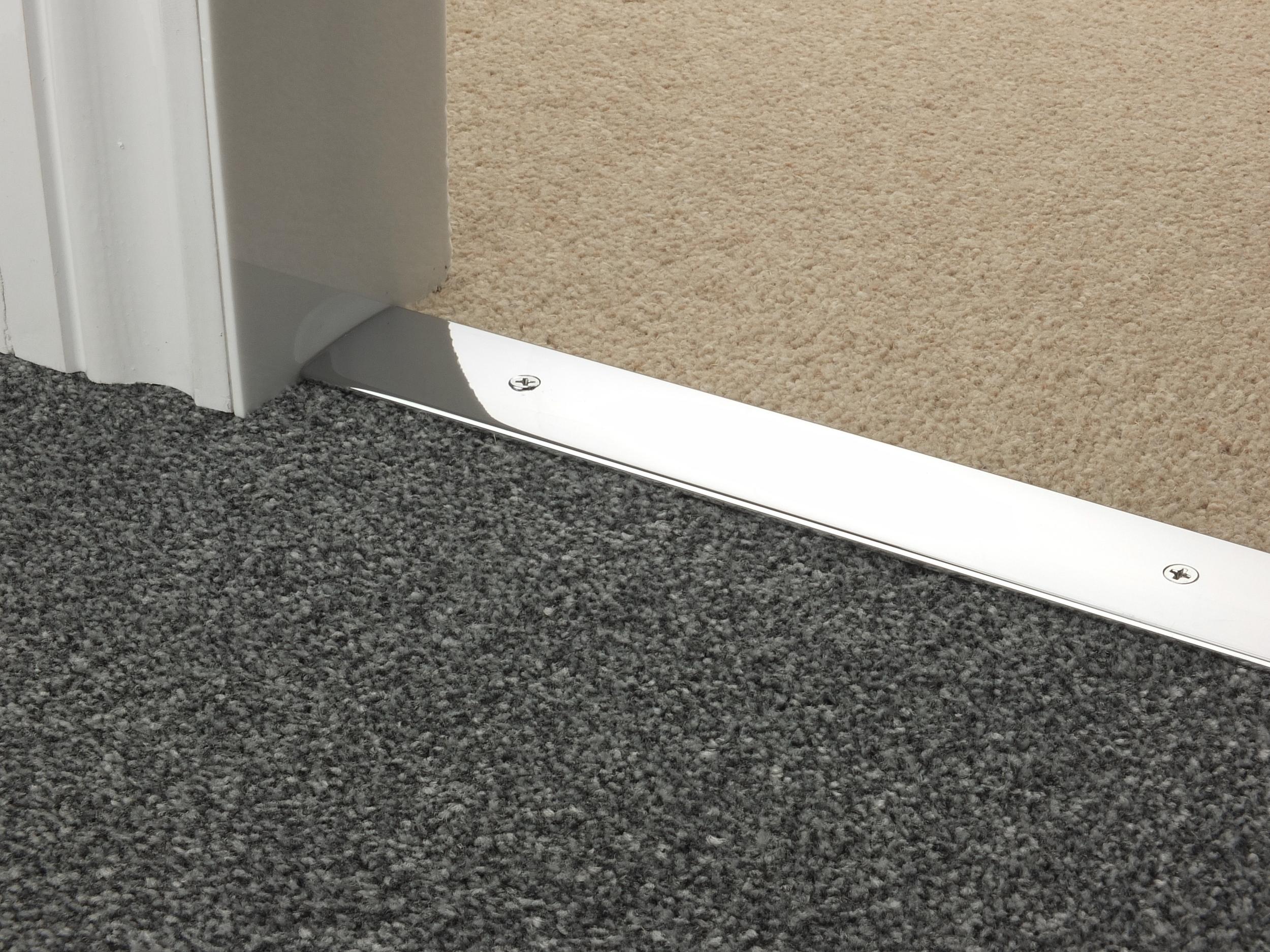 door_bar_chrome_cover_carpet_carpet.jpg