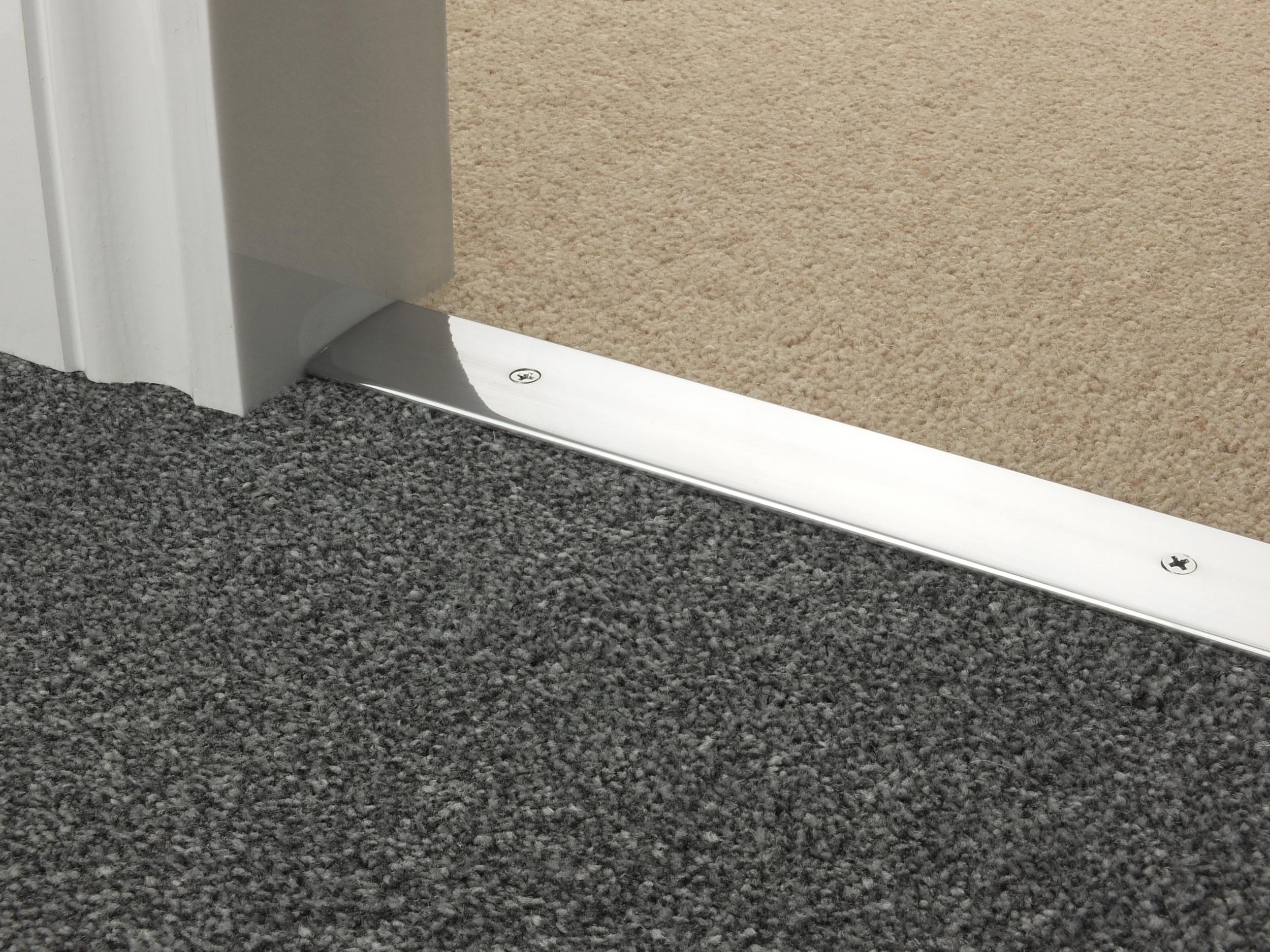 door_bar_brushed_chrome_cover_carpet_carpet.jpg