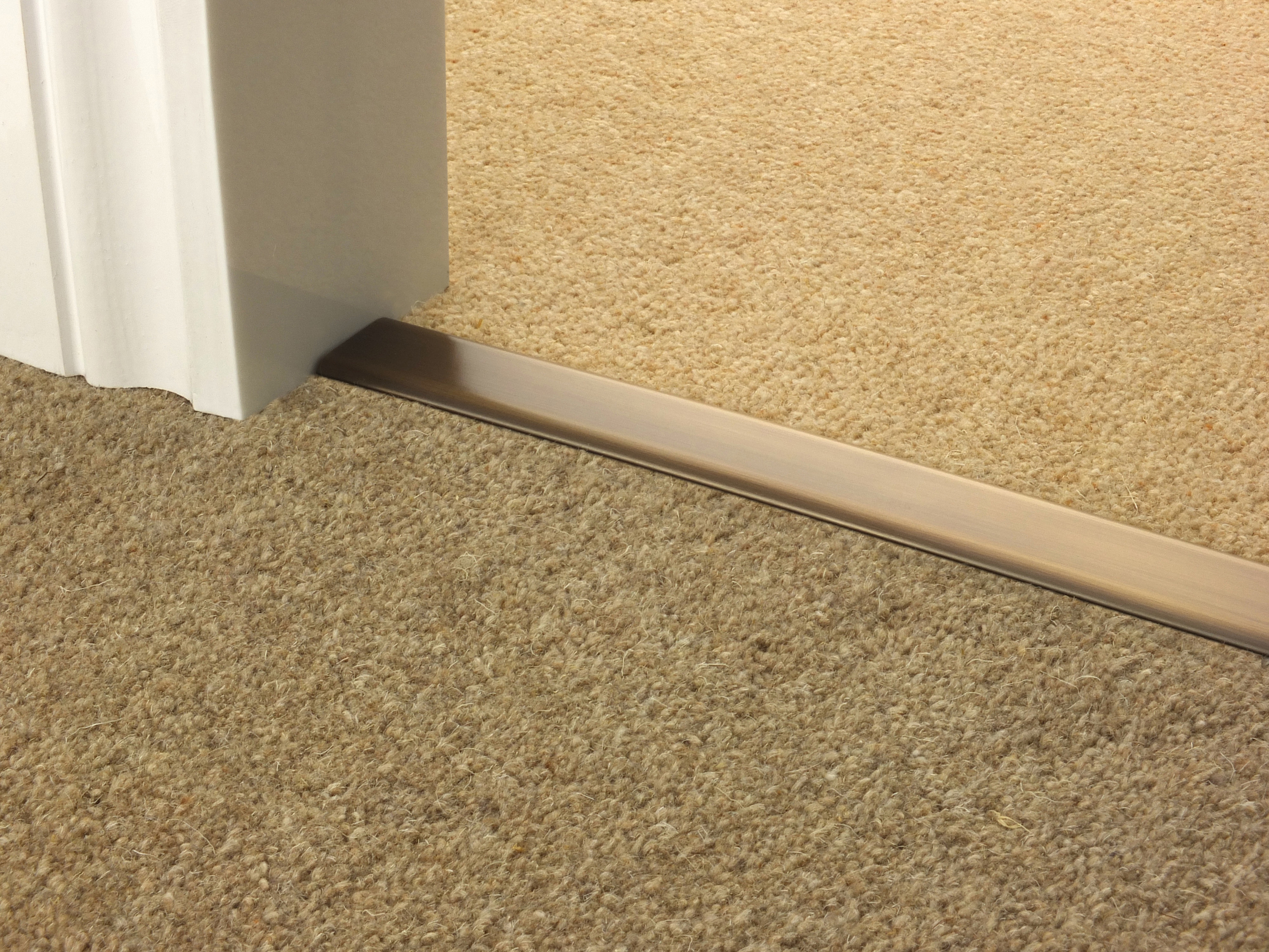 door_bar_antique_brass_doublez_carpet_carpet.jpg