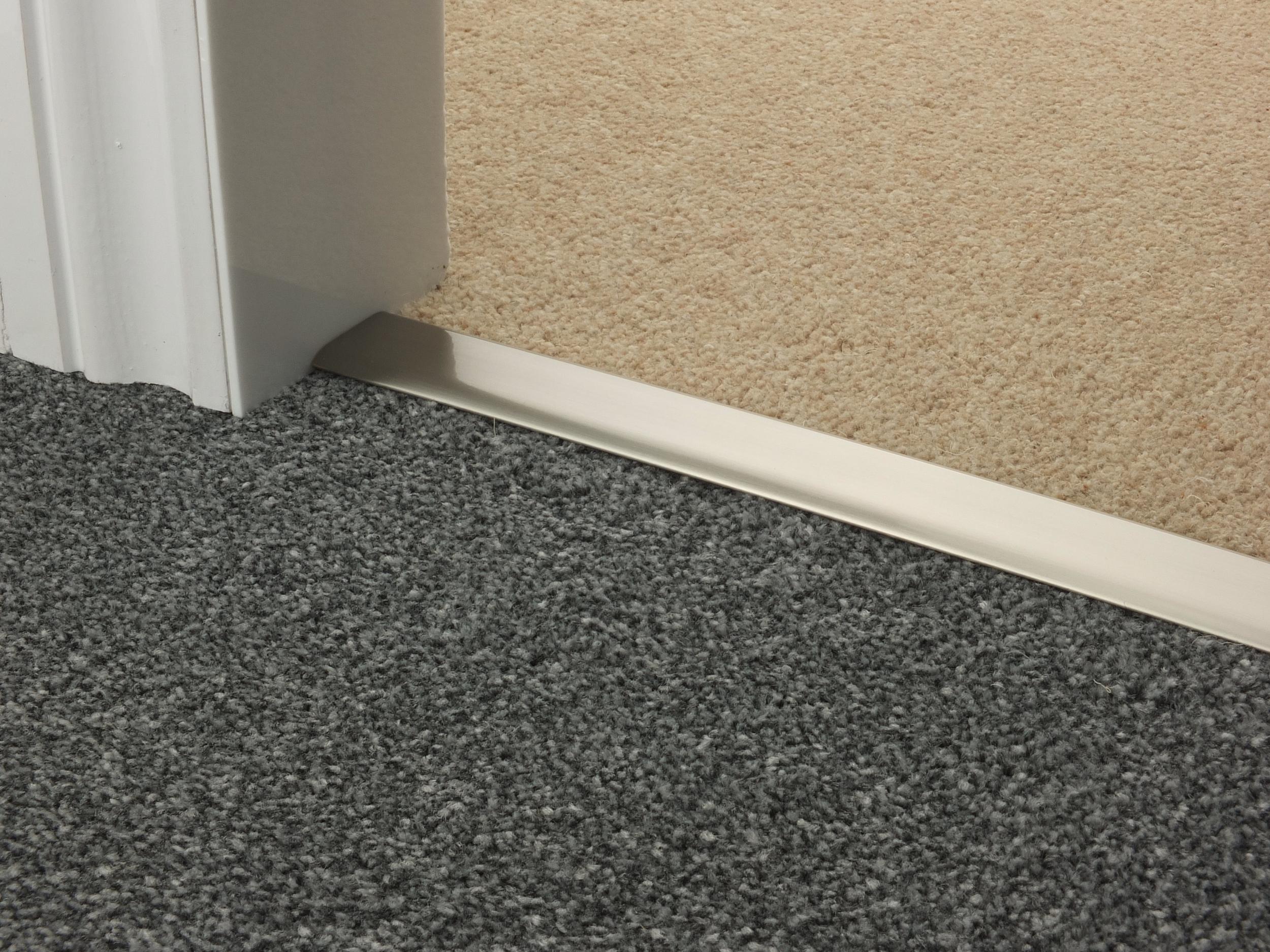 door_bar_satin_nickel_doublez_carpet_carpet.jpg