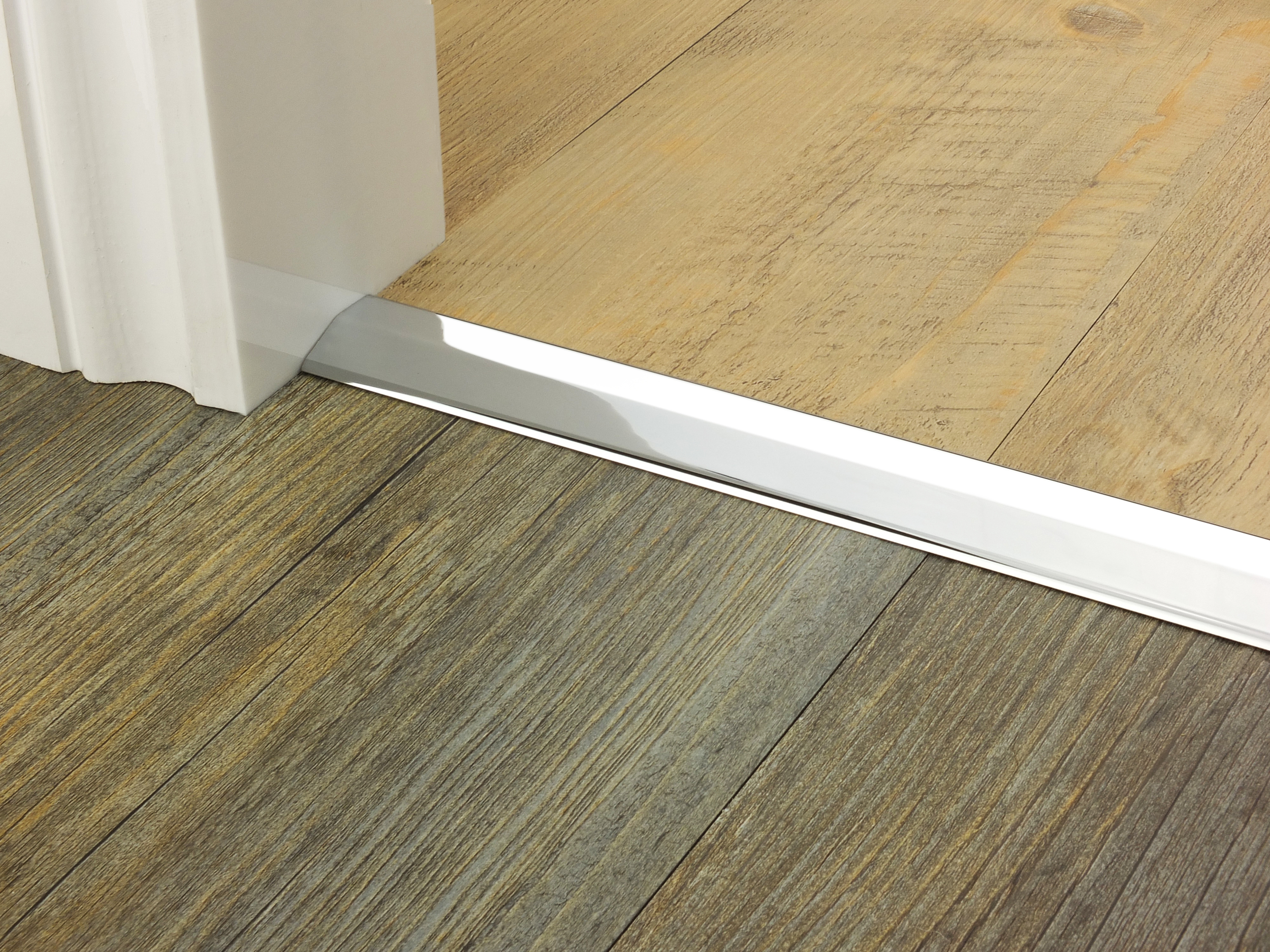 door_bar_two_way_ramp_chrome_5mm_lvt_lvt.jpg