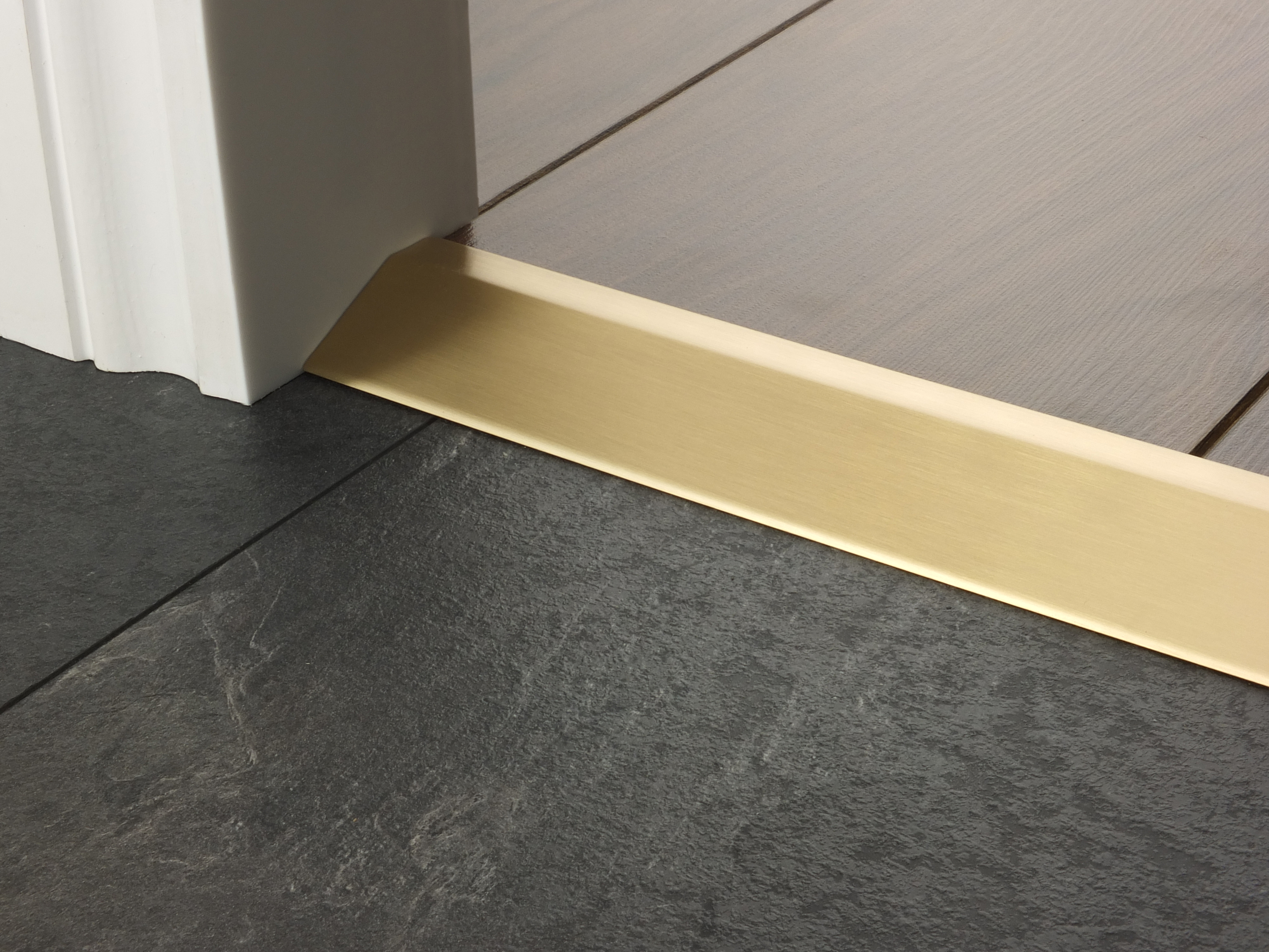 door_bar_ramp16_satin_brass.jpg