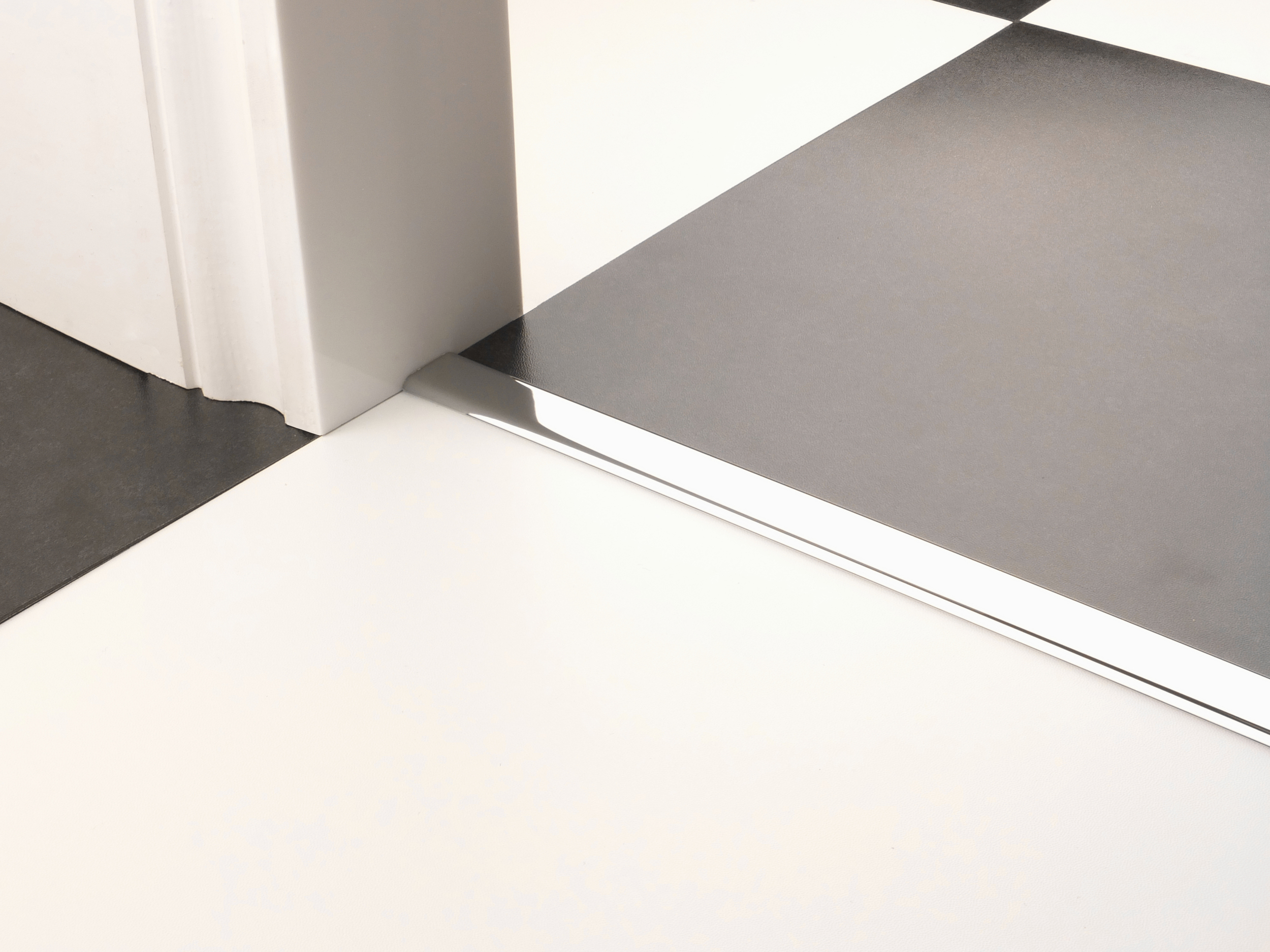 stairrods-doorbar-chrome-vinyl-edge.jpg