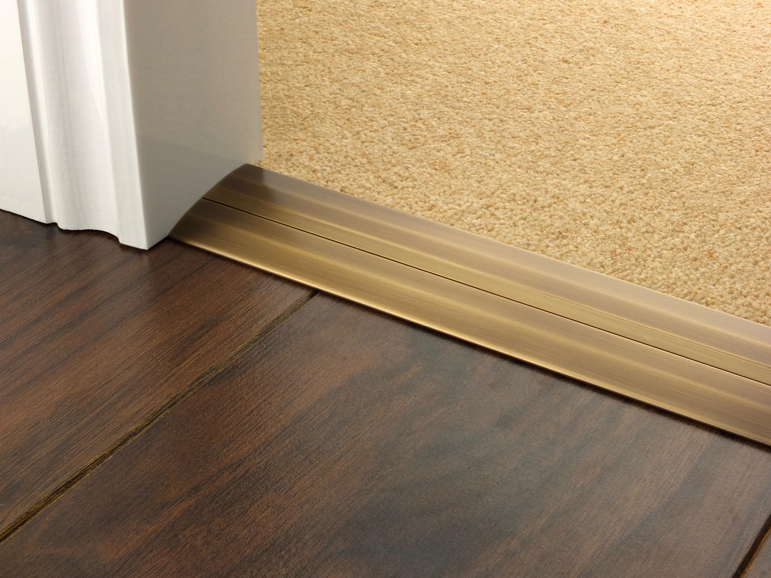 door_bar_antique_brass_posh_55_carpet_laminate.jpg