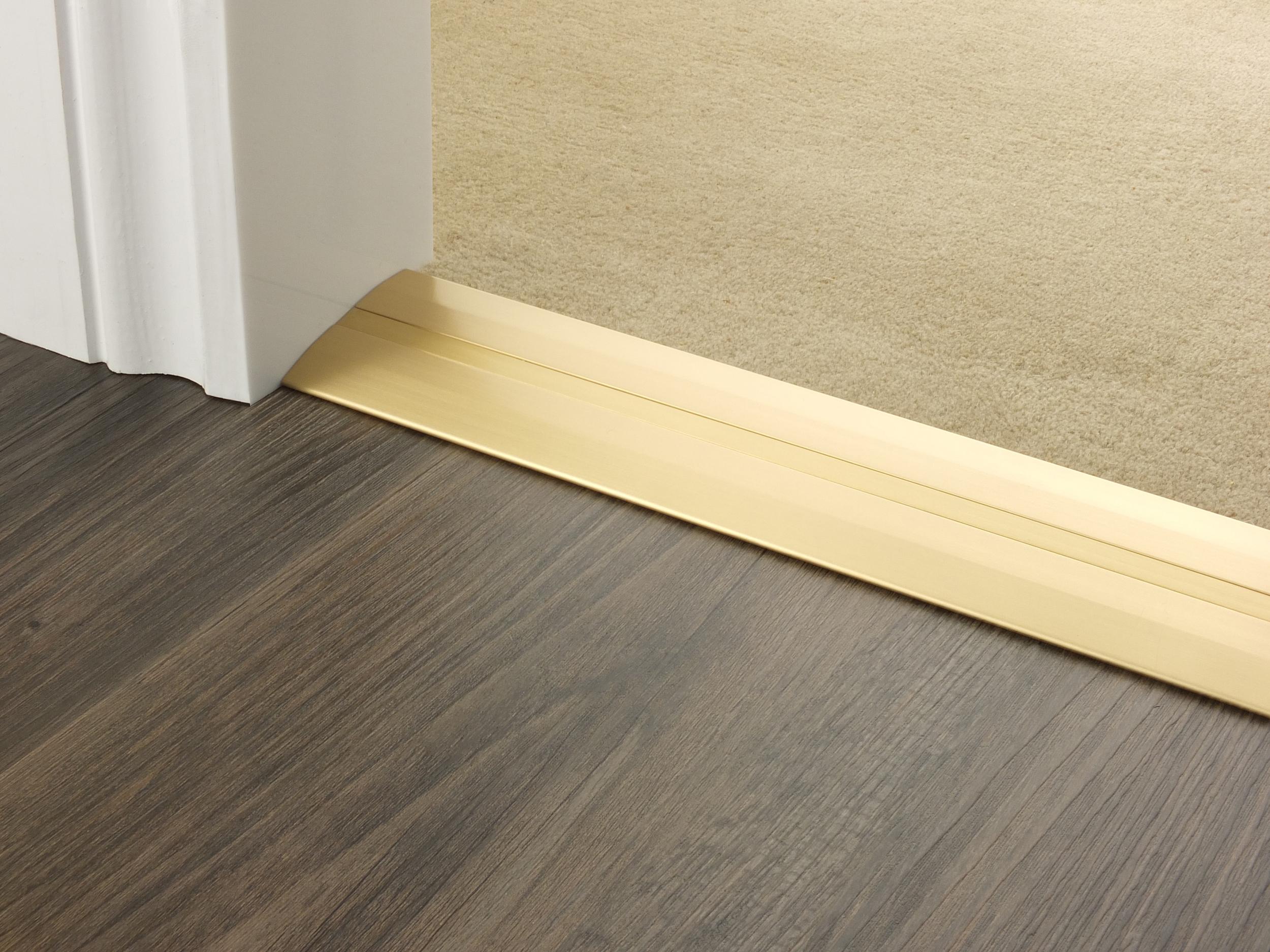 door_bar_satin_brass_posh_55_Carpet.jpg