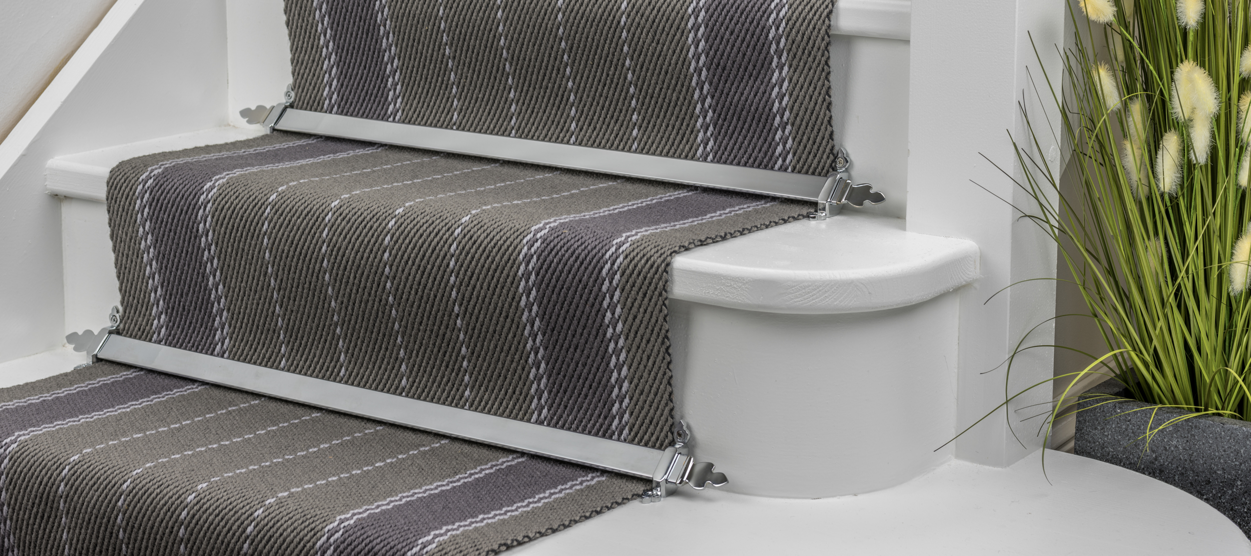 stairrods-brushed-chrome-royale-beaumont.jpg